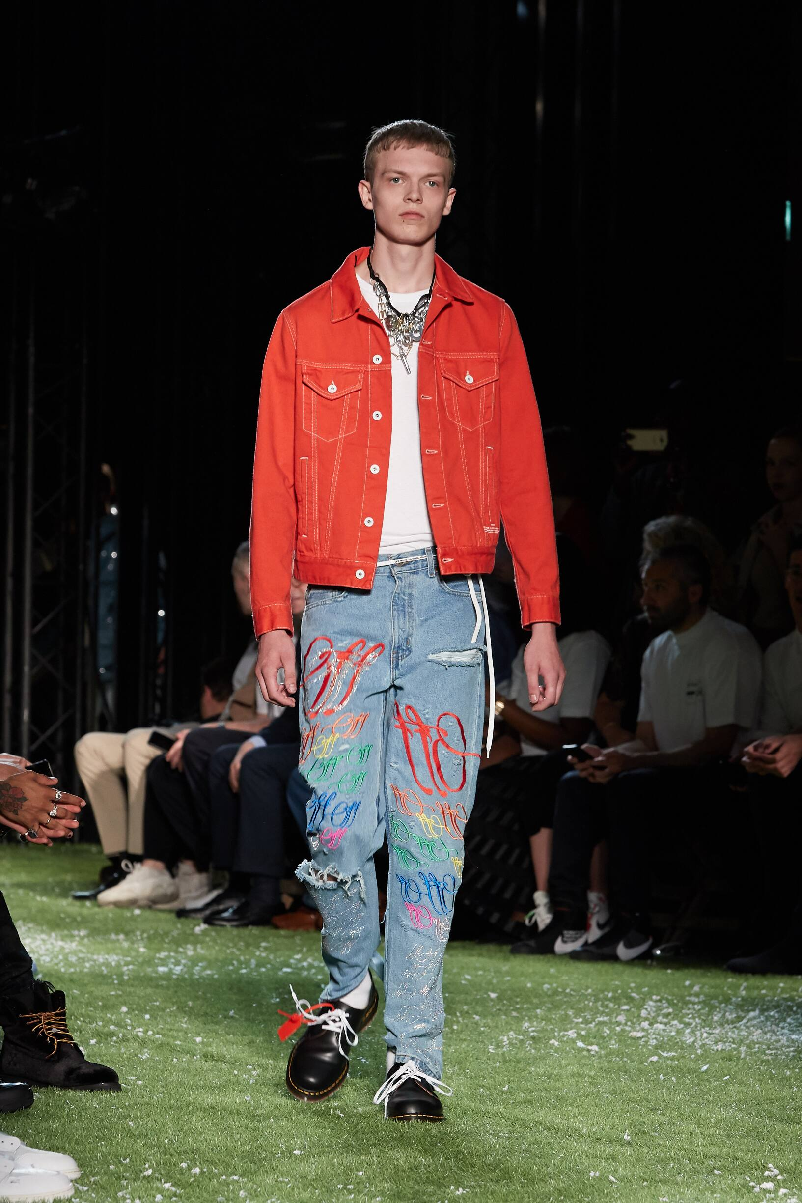 Catwalk Off-White Man Fashion Show Summer 2019