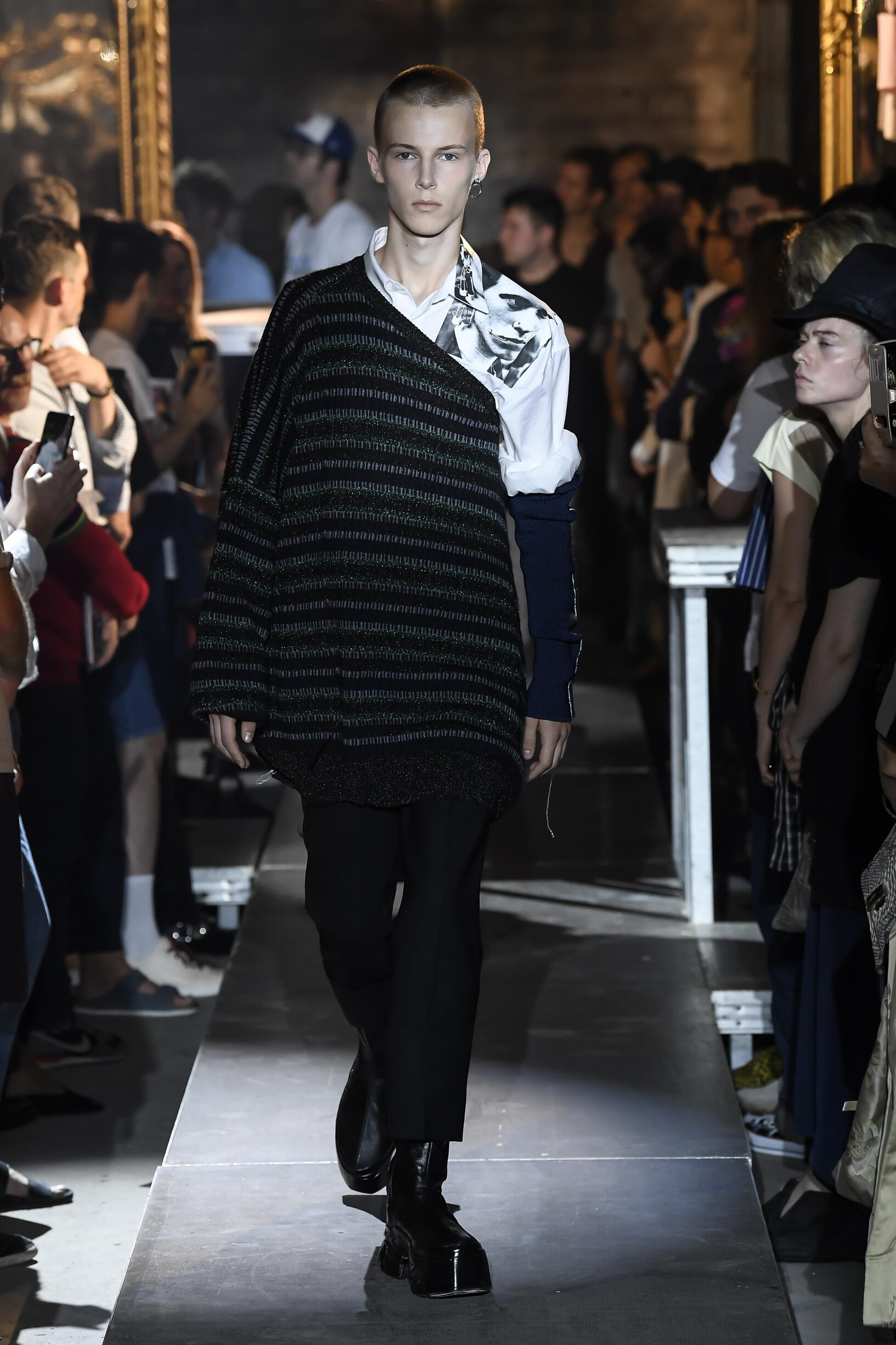 Catwalk Raf Simons Man Fashion Show Summer 2019