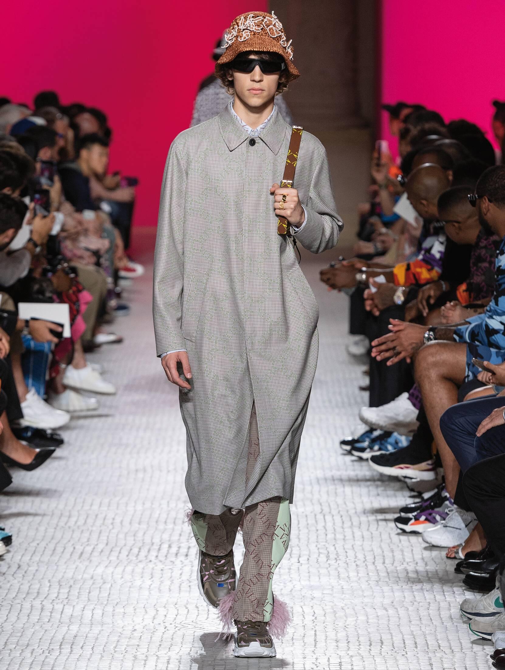 Catwalk Valentino Man Fashion Show Summer 2019