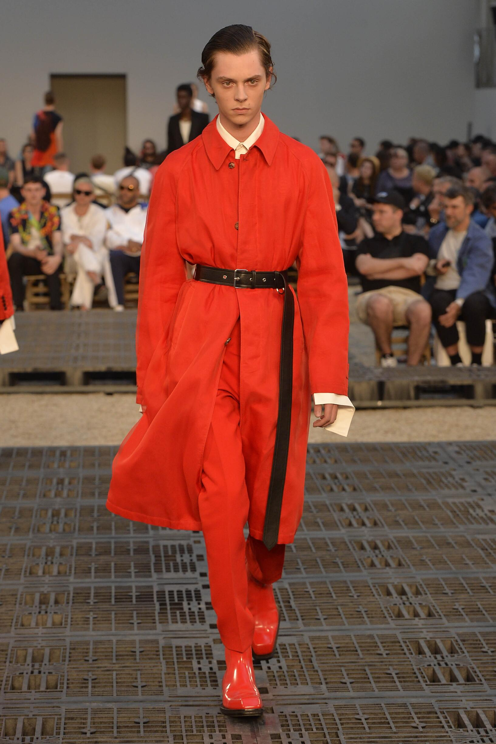 Fashion 2019 Catwalk Alexander McQueen Summer Man Collection