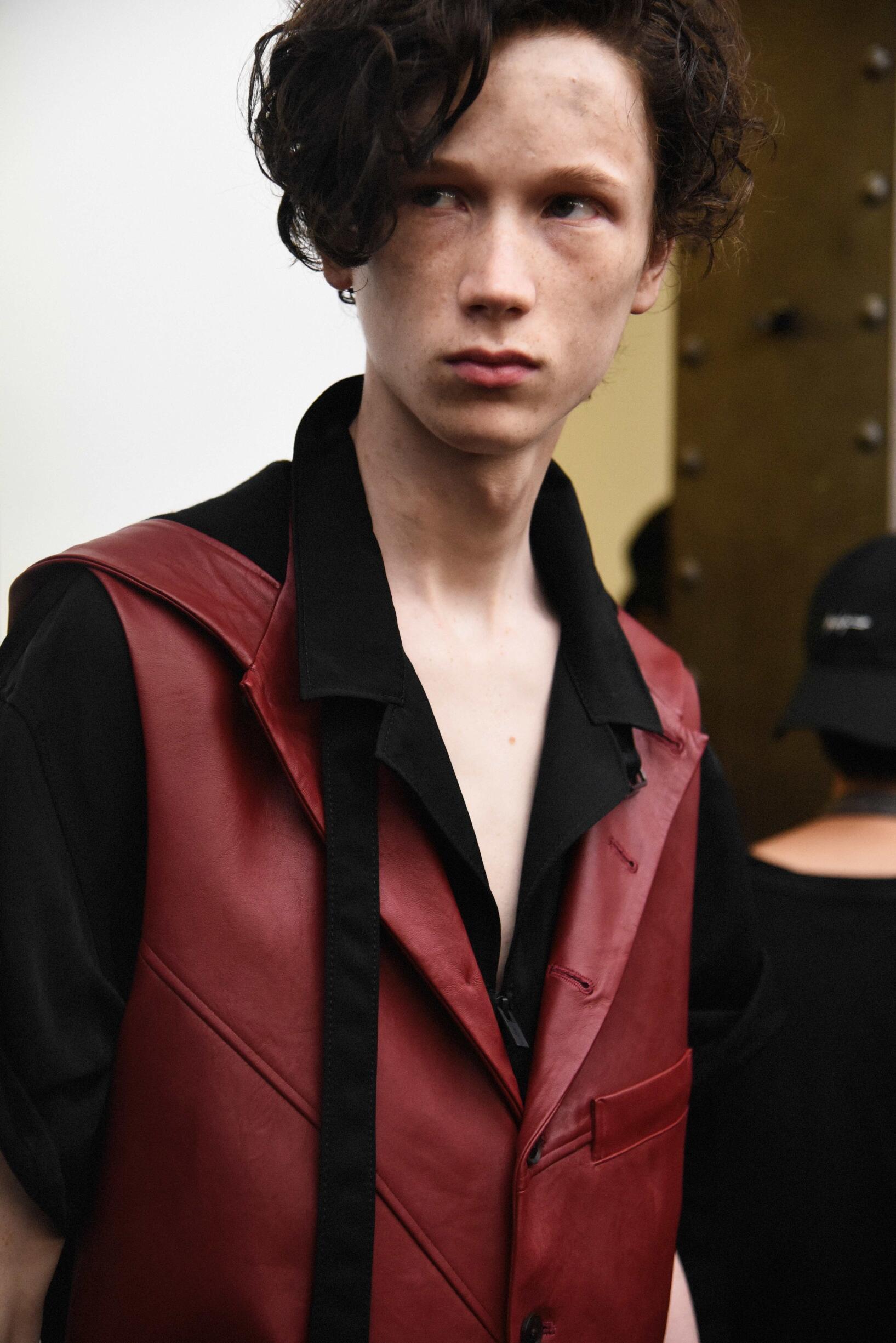 Model Backstage Yohji Yamamoto Spring Summer 2019 Men's Collection Paris Fashion Week
