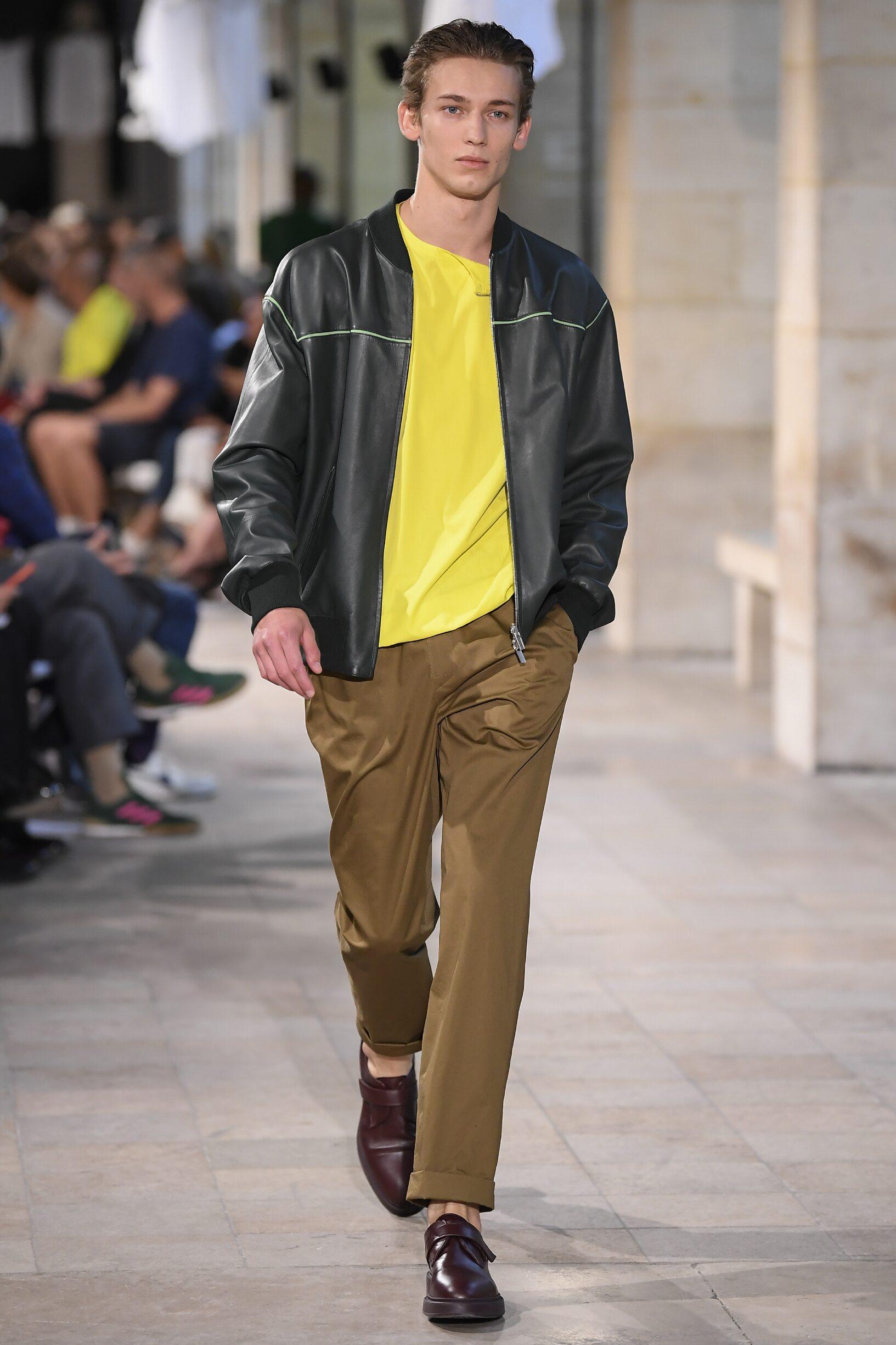 Model Fashion Show Hermès