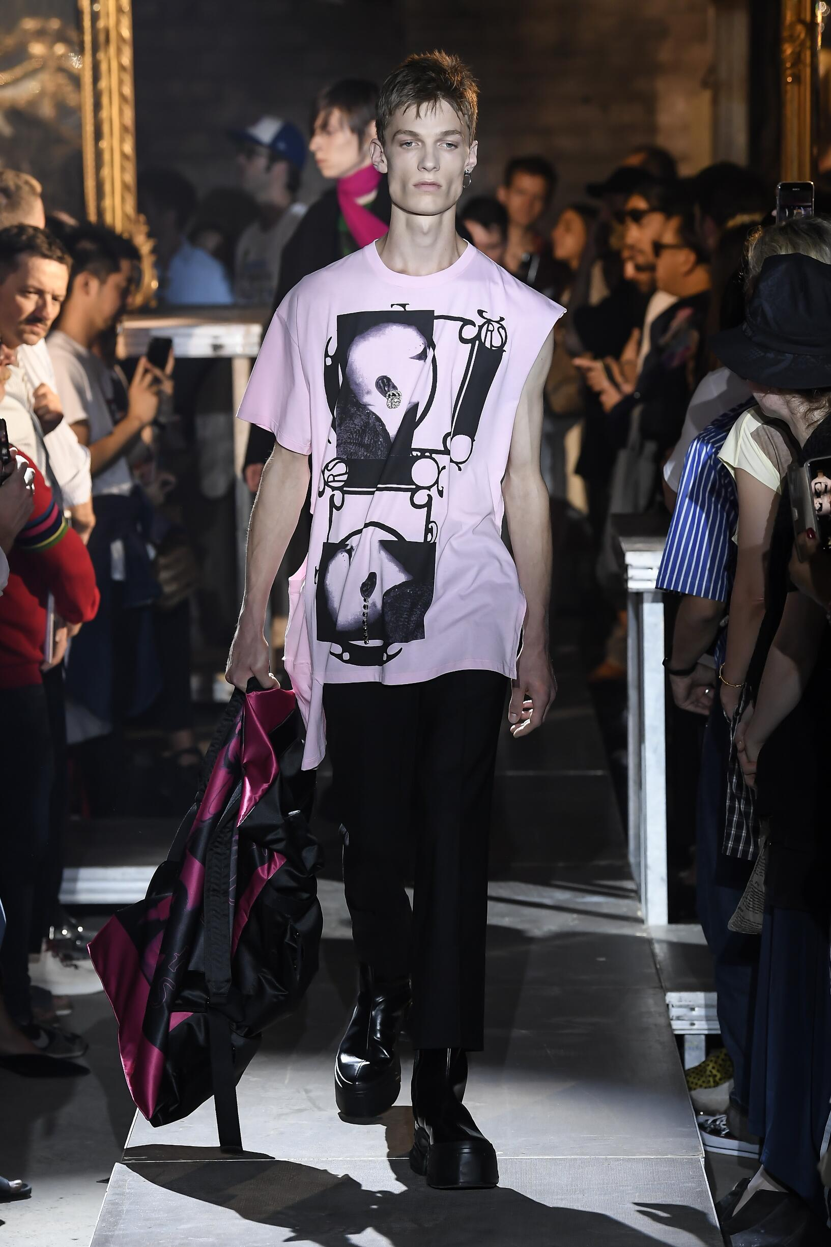 Raf Simons Paris Fashion Week