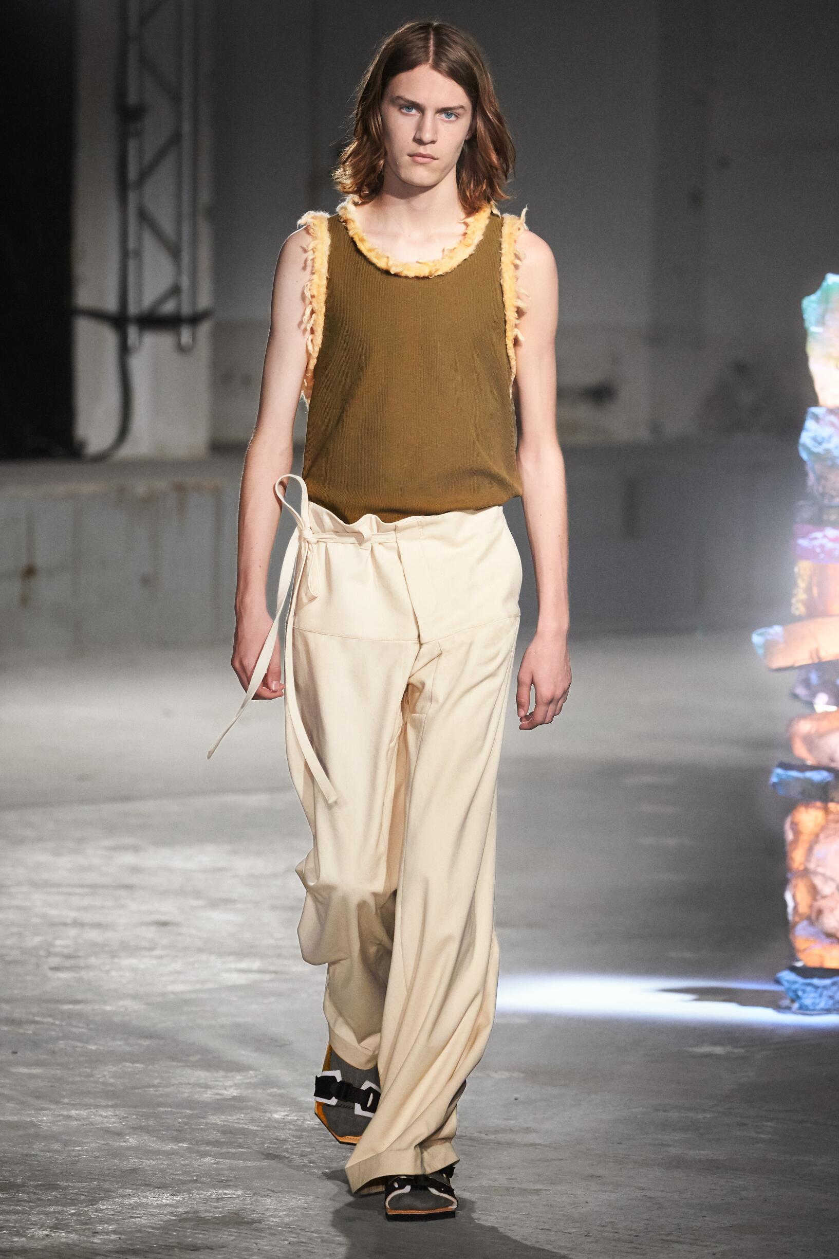 Runway Acne Studios Spring Summer 2019 Men's Collection Paris Fashion Week