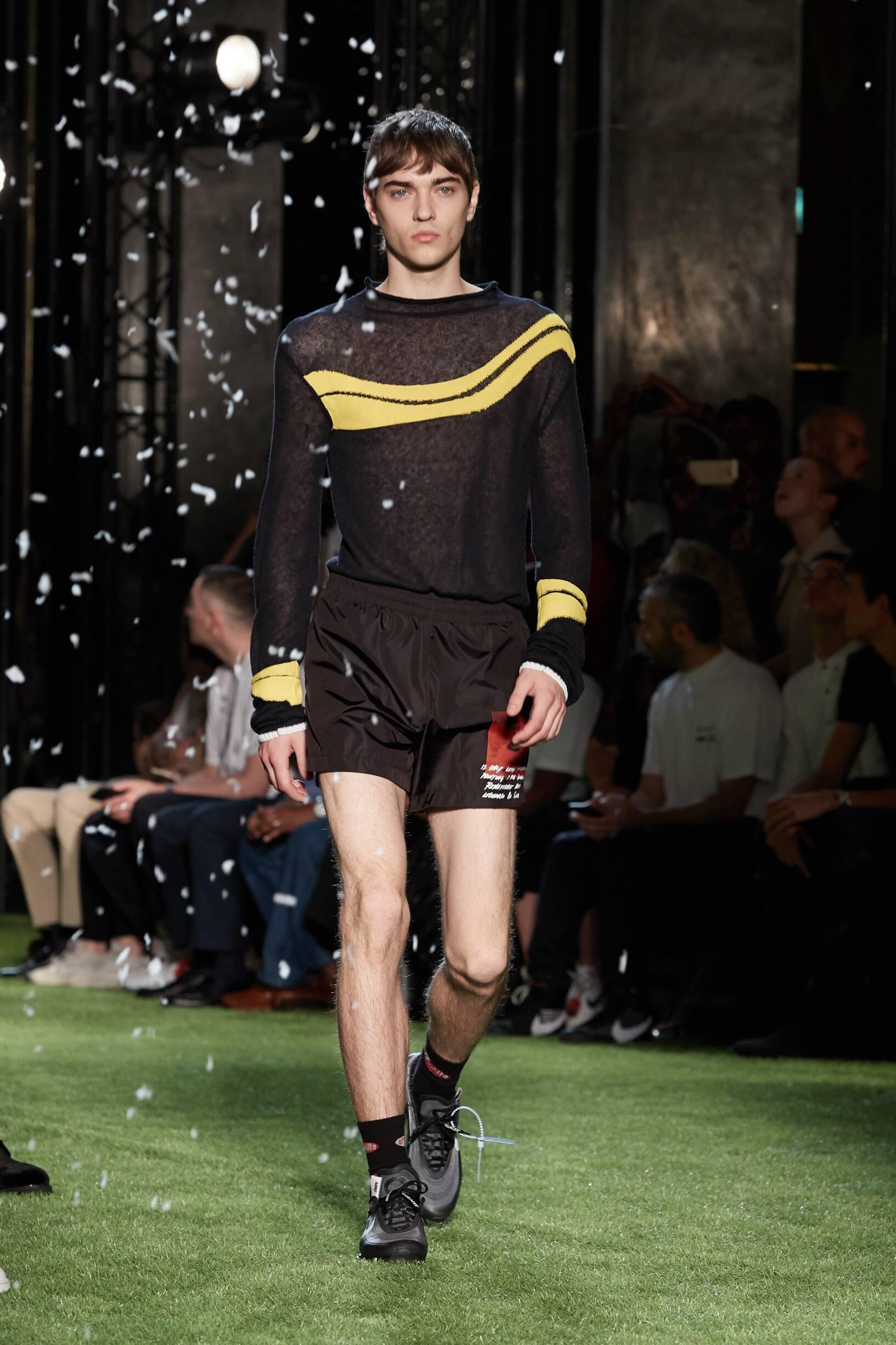 Runway Off-White Spring Summer 2019 Men's Collection Paris Fashion Week
