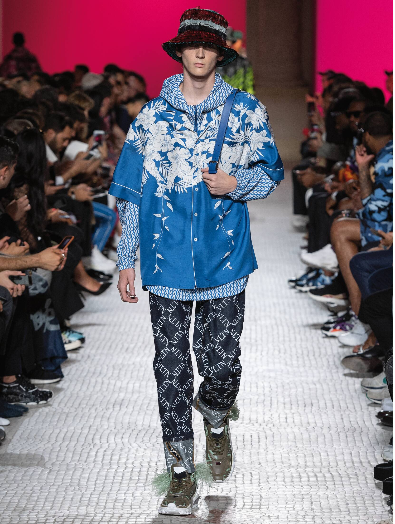 Runway Valentino Spring Summer 2019 Men's Collection Paris Fashion Week