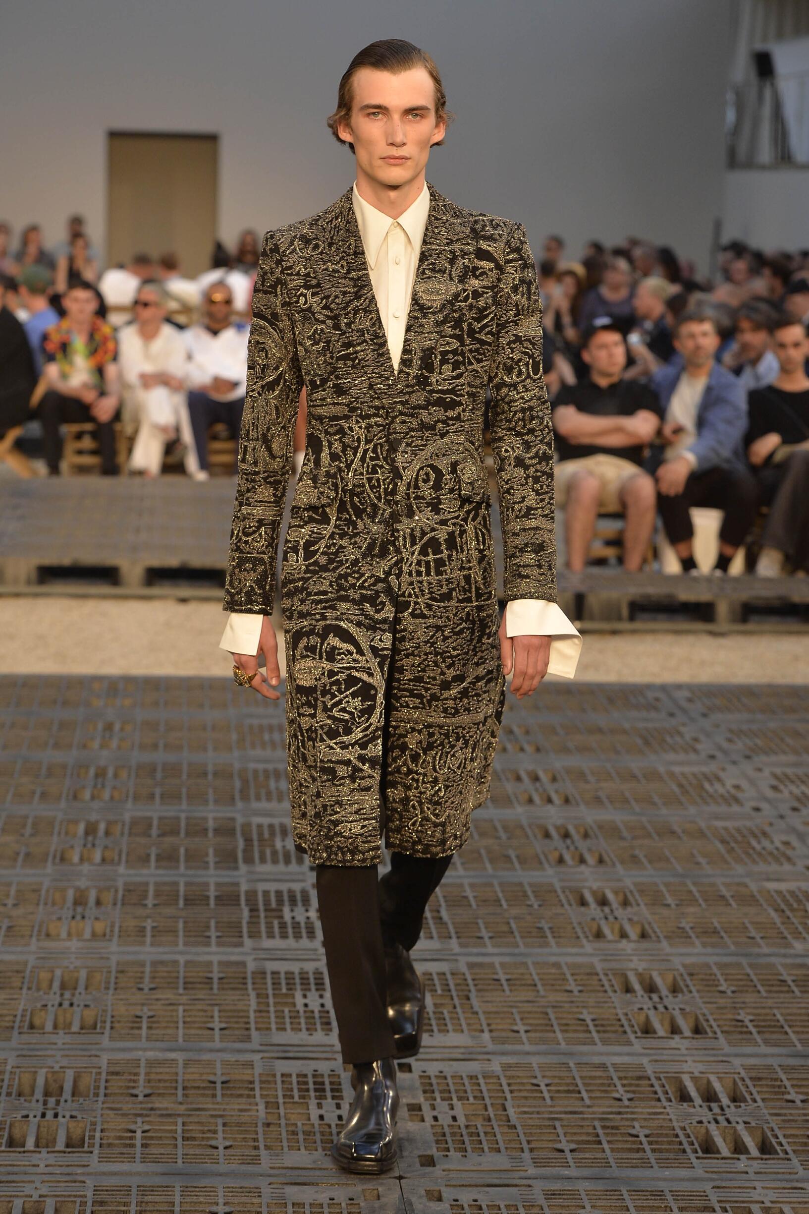 SS 2019 Alexander McQueen Fashion Show Paris