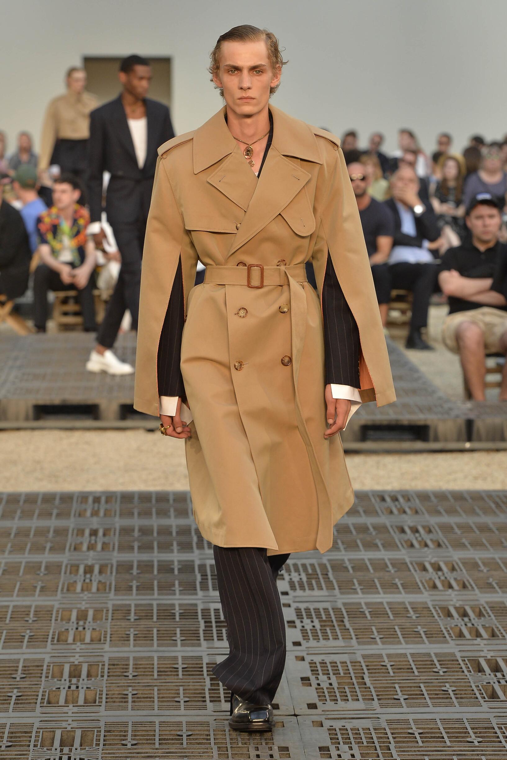 SS 2019 Alexander McQueen Fashion Show