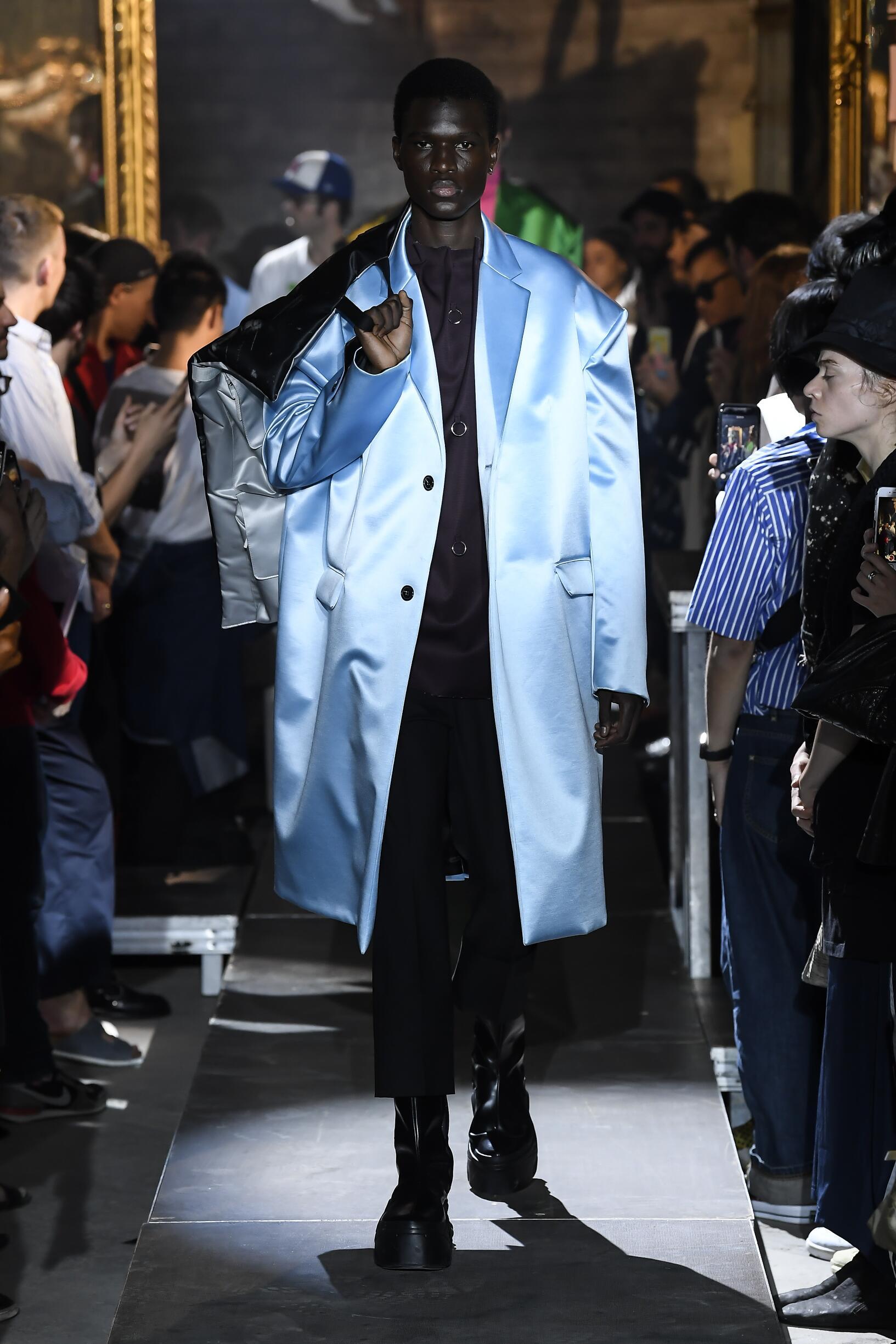 SS 2019 Raf Simons Fashion Show