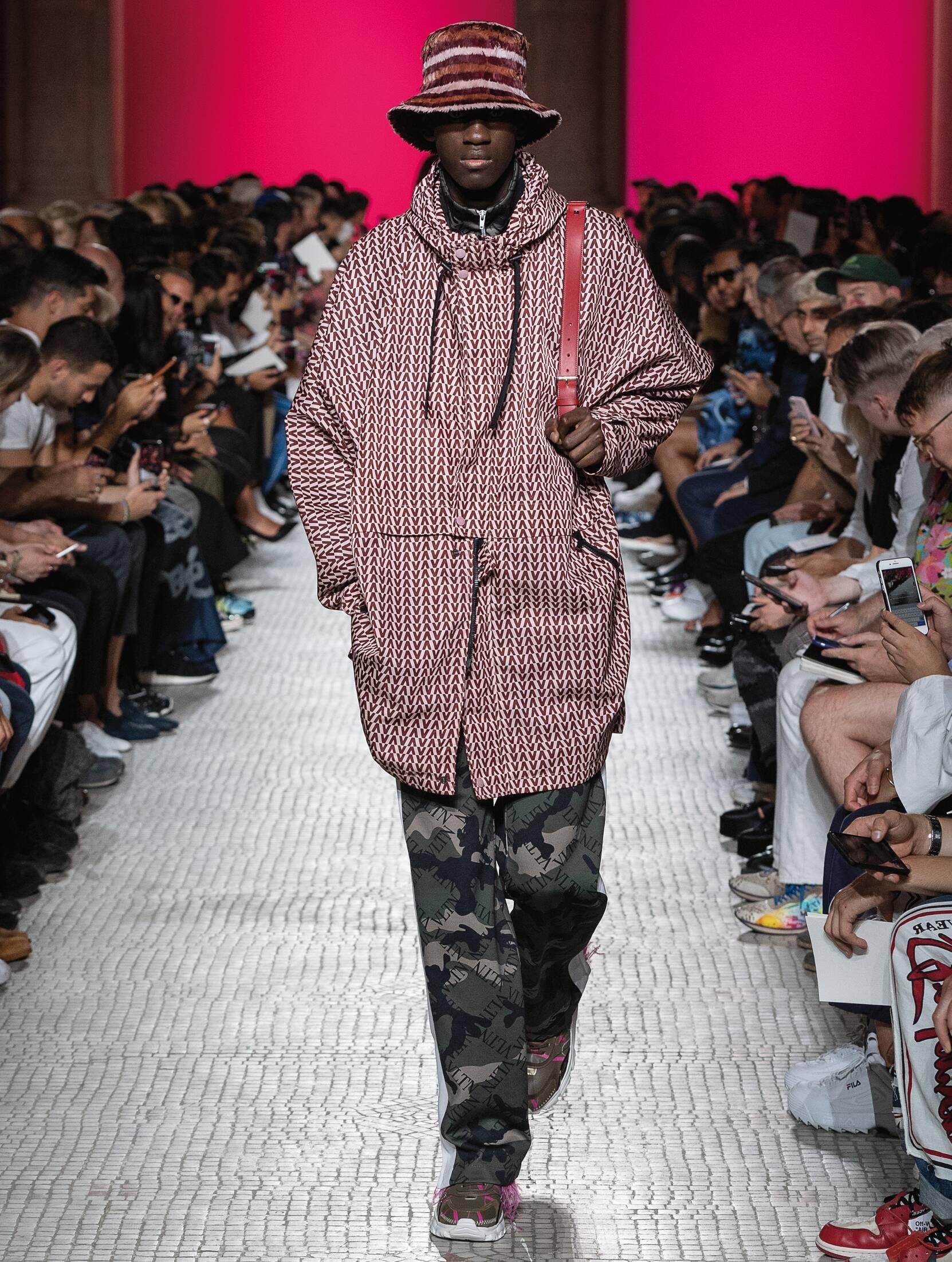 SS 2019 Valentino Fashion Show