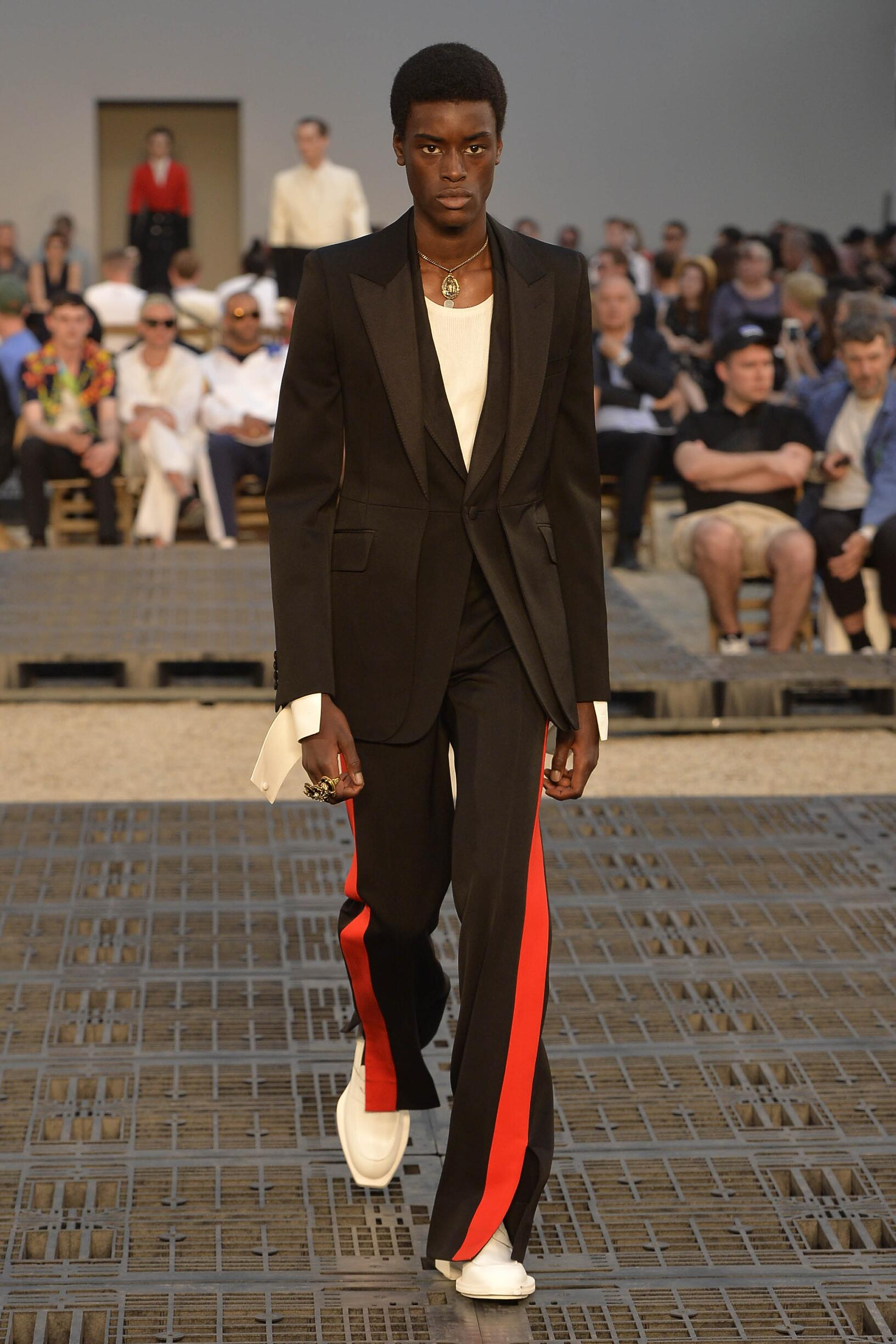 Spring Summer 2019 Man Paris Alexander McQueen Collection