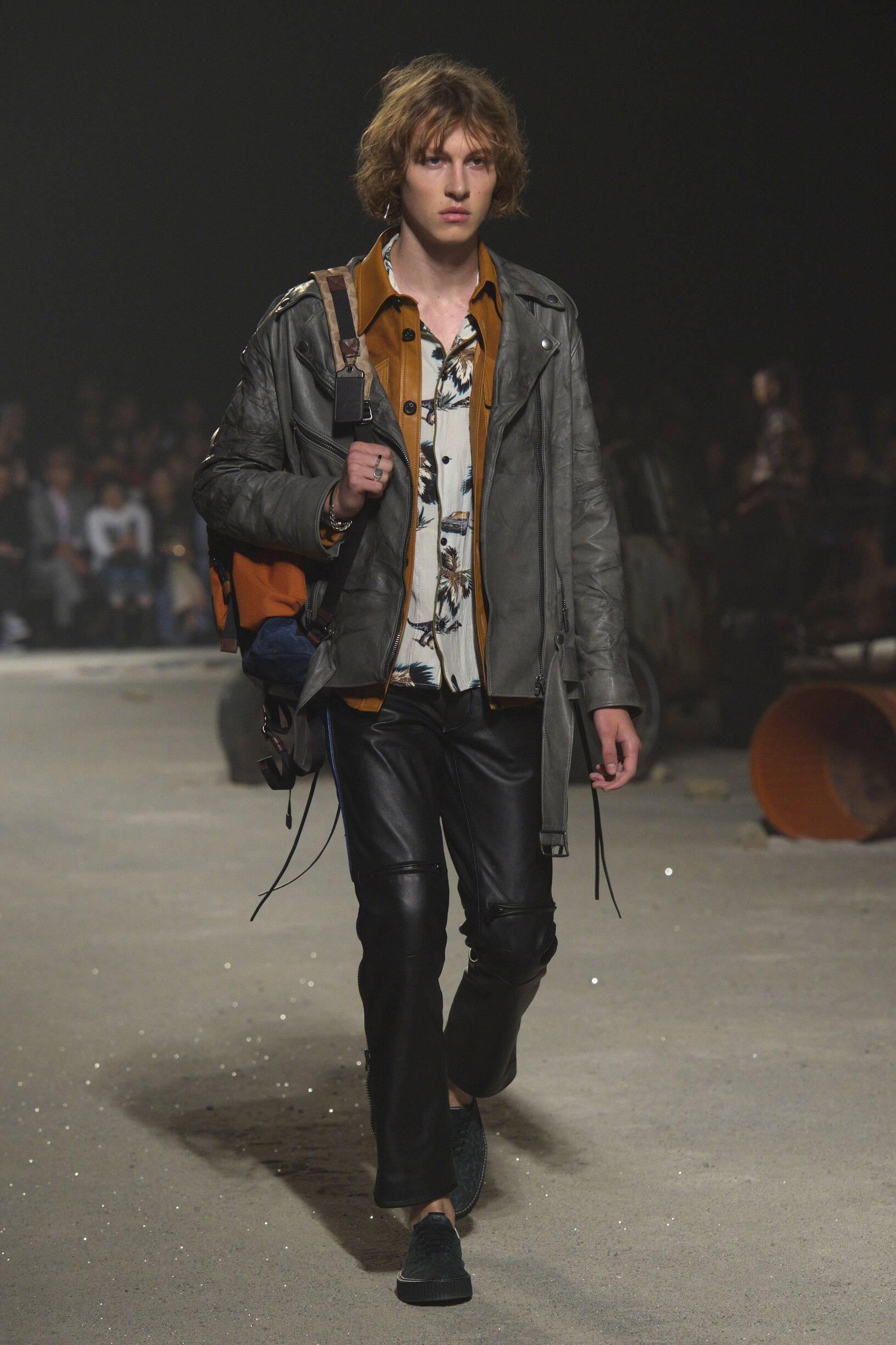2019 Catwalk Coach Man Fashion Show Summer