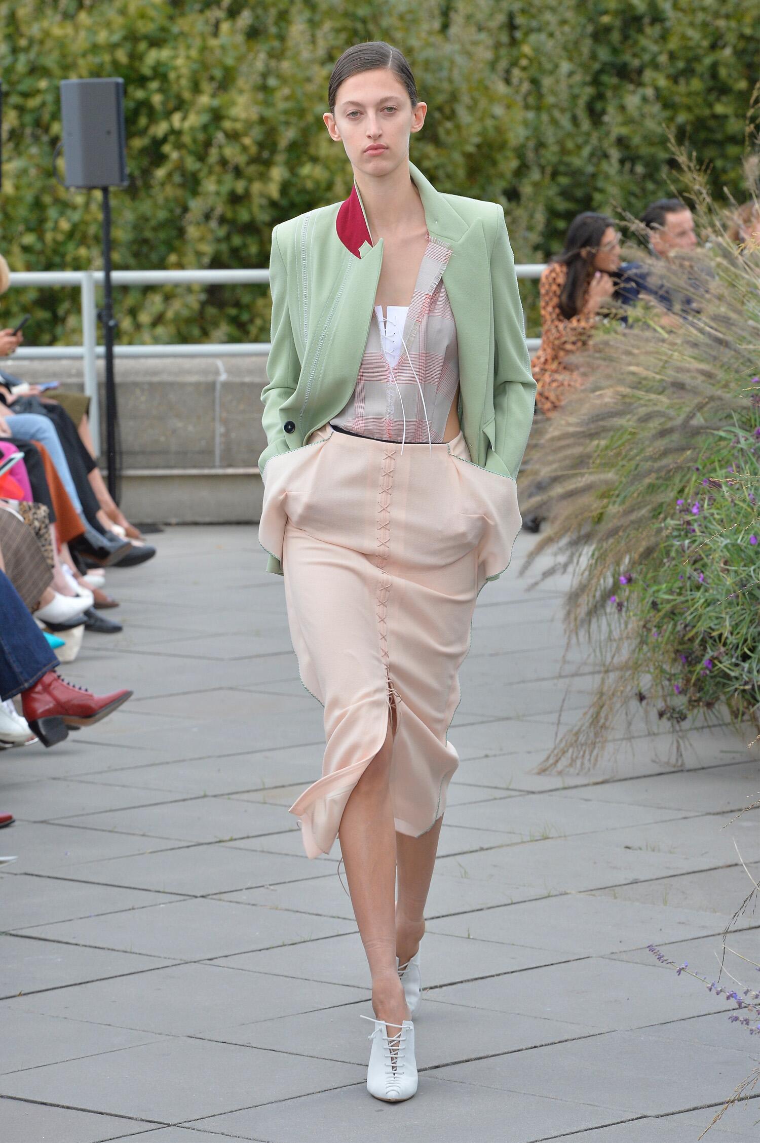 2019 Catwalk Roland Mouret Woman Fashion Show Summer