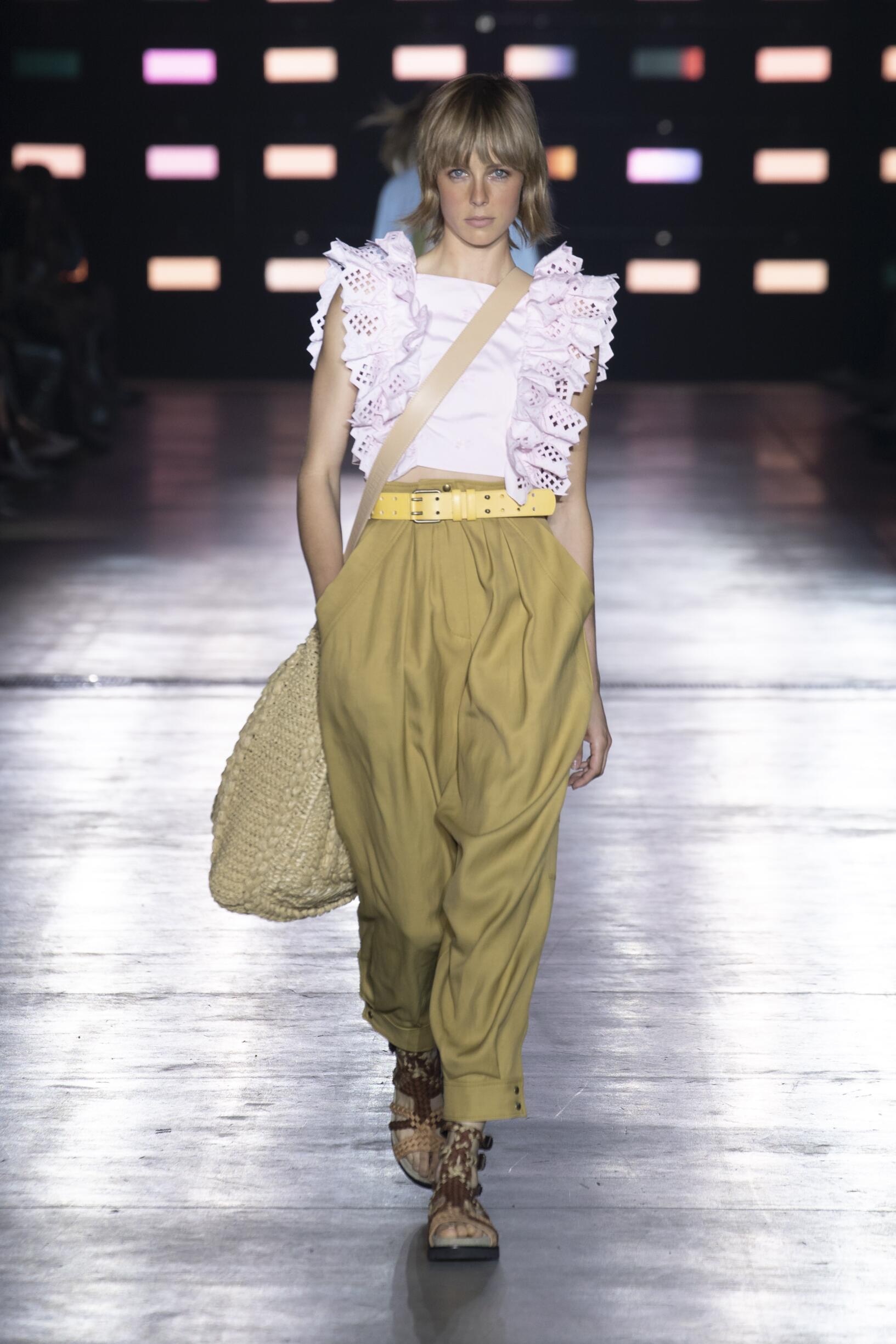 Alberta Ferretti Fashion Show SS 2019