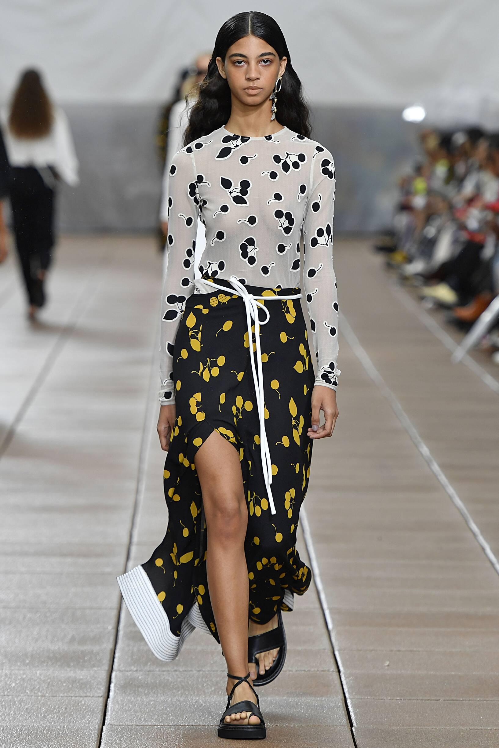 Fashion 2019 Catwalk 3.1 Phillip Lim Summer Woman Collection