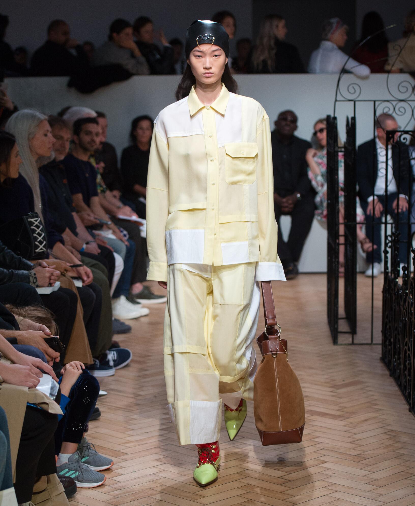 Fashion 2019 Catwalk J.W. Anderson