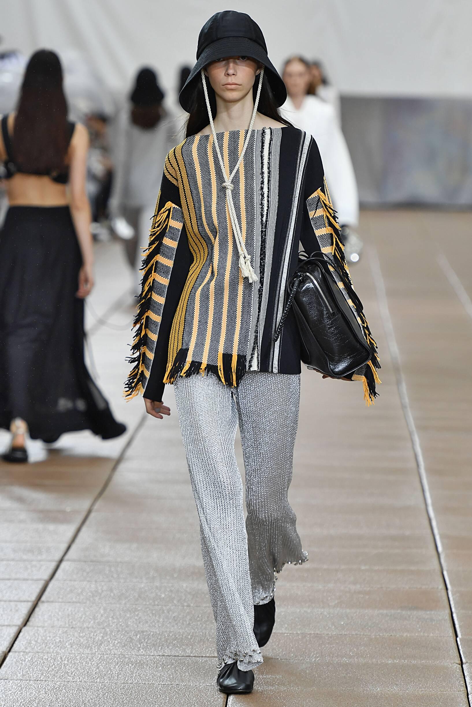 Fashion Woman Model 3.1 Phillip Lim Catwalk