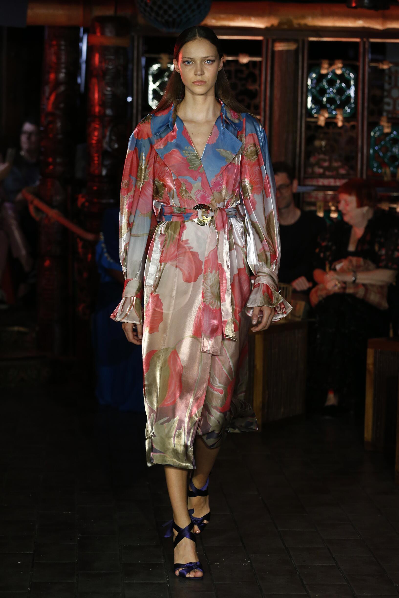Fashion Woman Model Peter Pilotto Catwalk