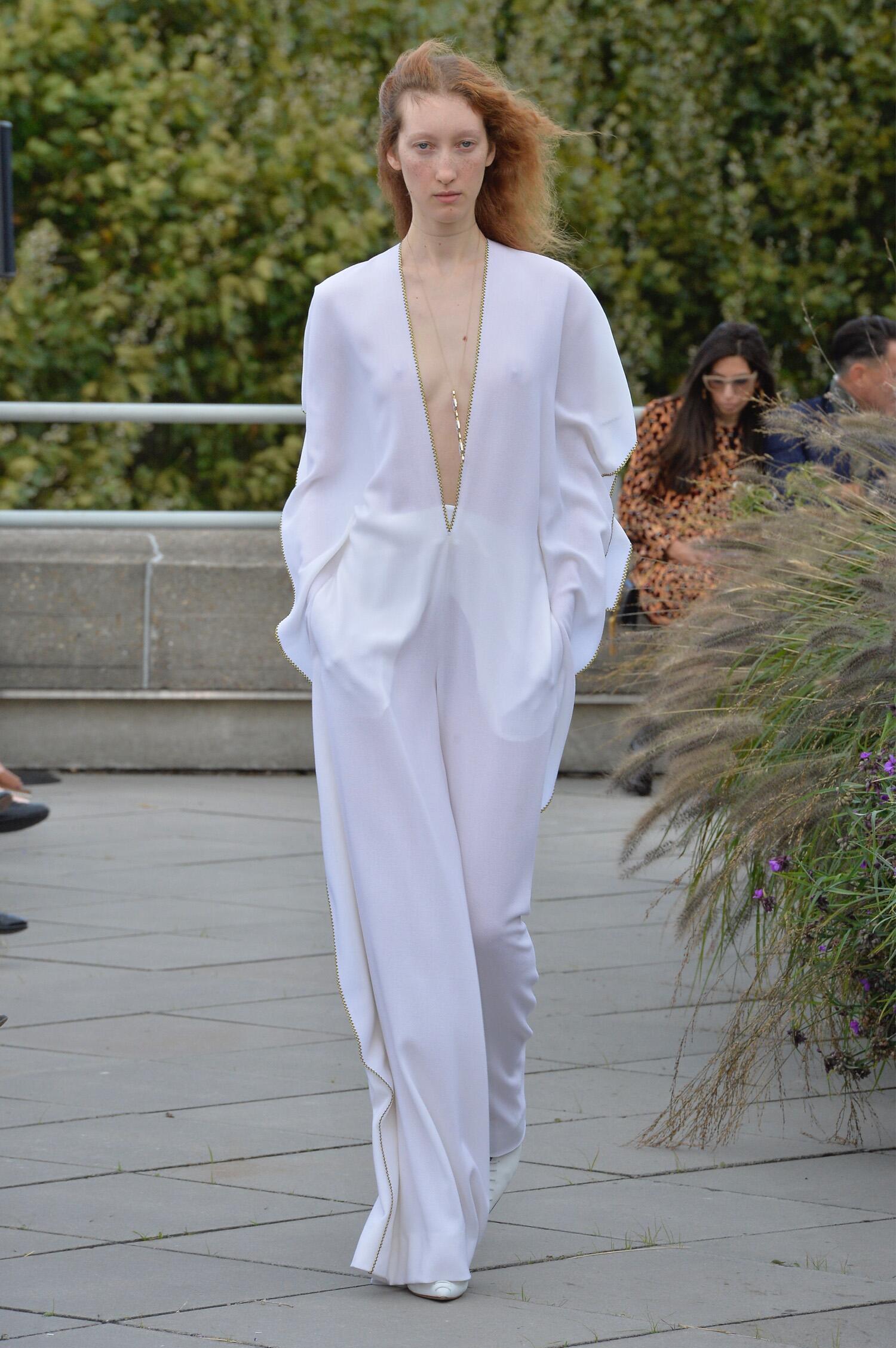 Fashion Woman Model Roland Mouret Catwalk
