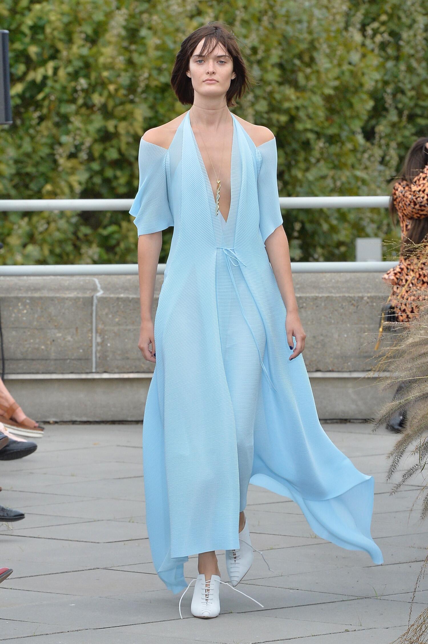 SS 2019 Fashion Show Roland Mouret
