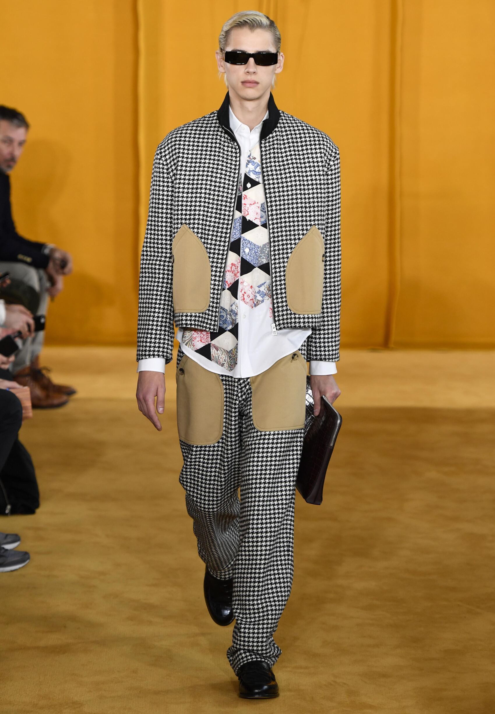 2019 Catwalk Loewe Man Fashion Show Winter
