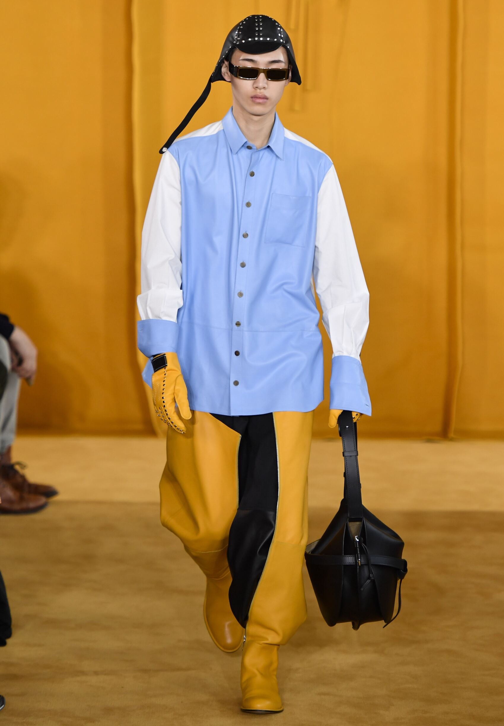 Catwalk Loewe Man Fashion Show Winter 2019