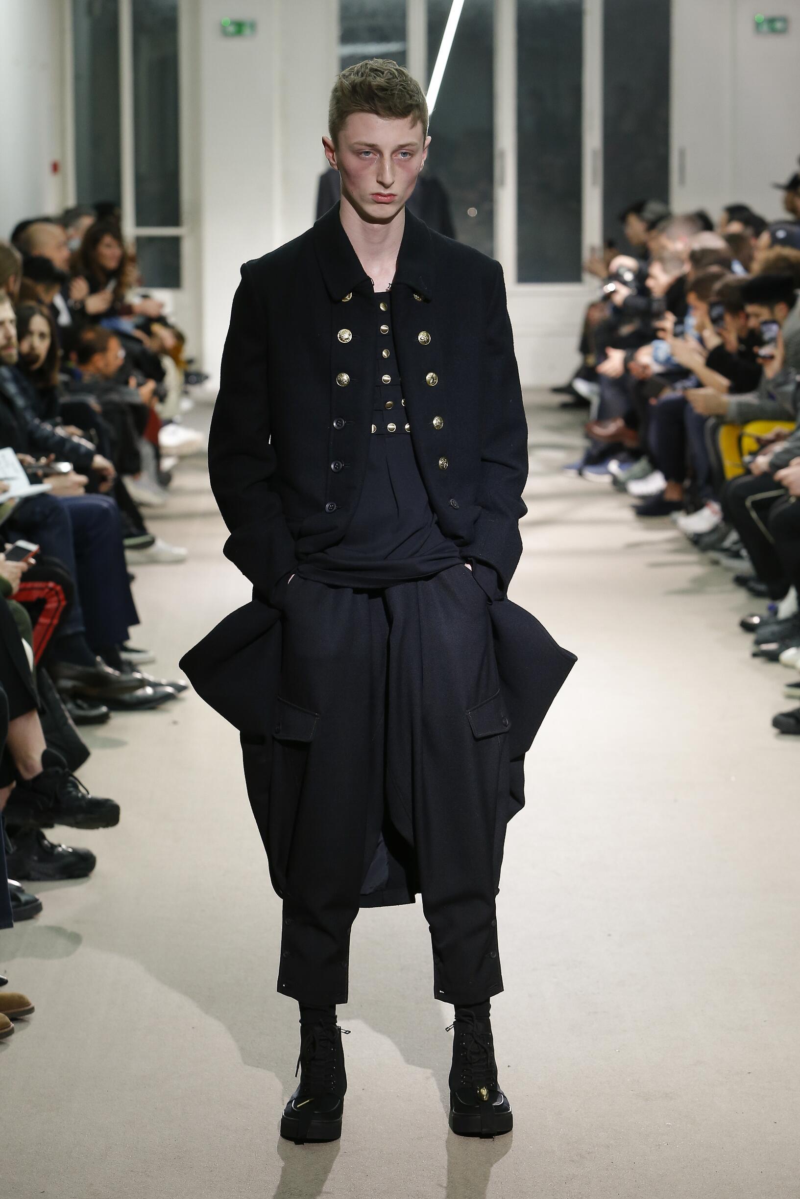 Catwalk Yohji Yamamoto Man Fashion Show Winter 2019