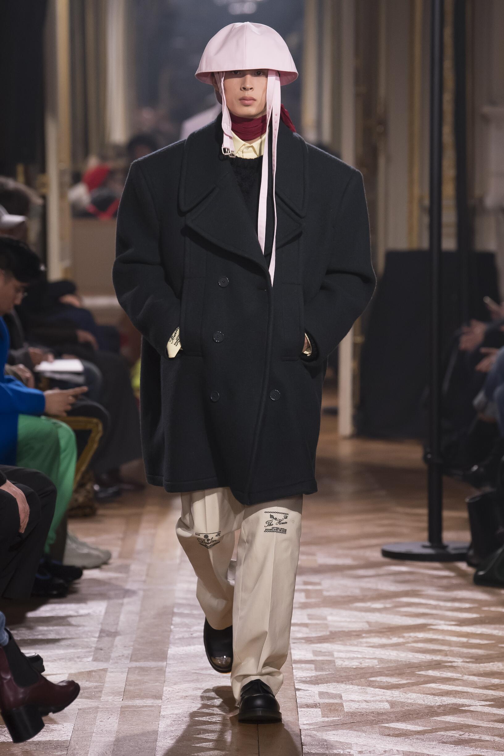 FW 2019-20 Raf Simons Fashion Show Paris