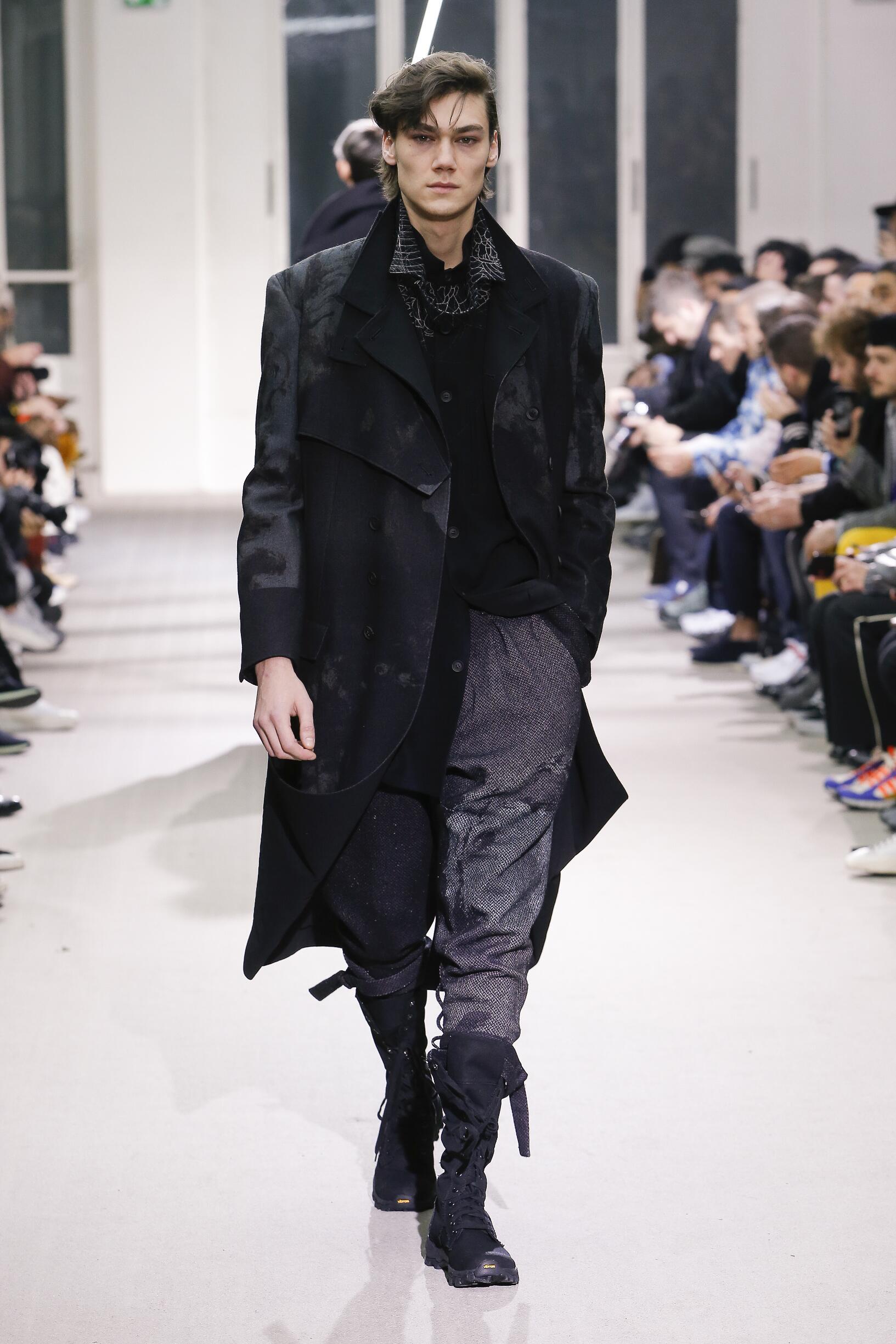 FW 2019-20 Yohji Yamamoto Fashion Show