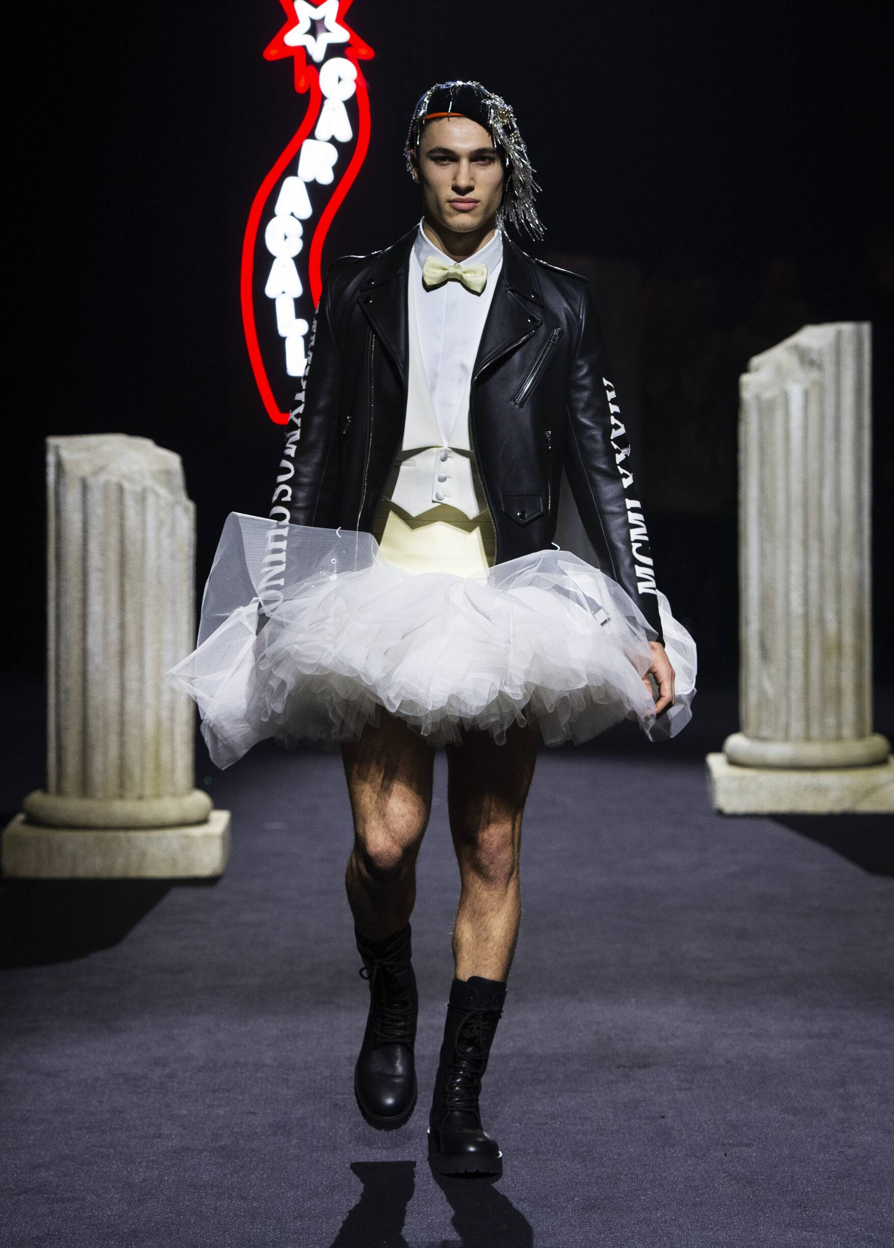 Fall Winter Fashion Trends 2019 Moschino