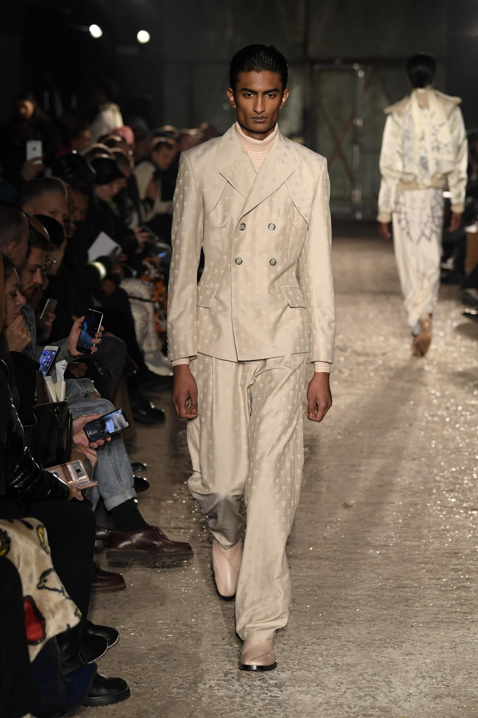 Fashion Show Man Model GMBH Catwalk