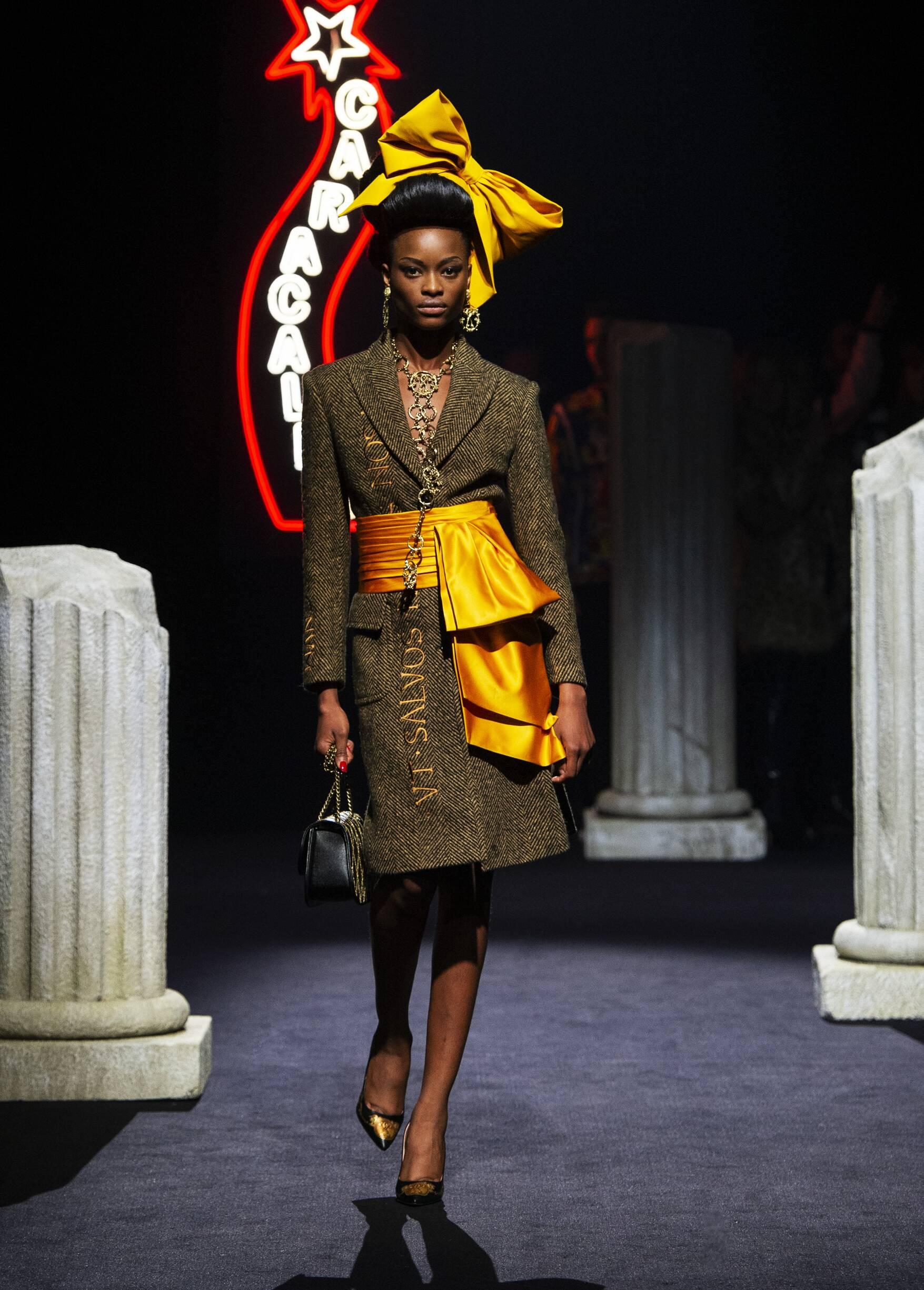 Model Fashion Show Moschino