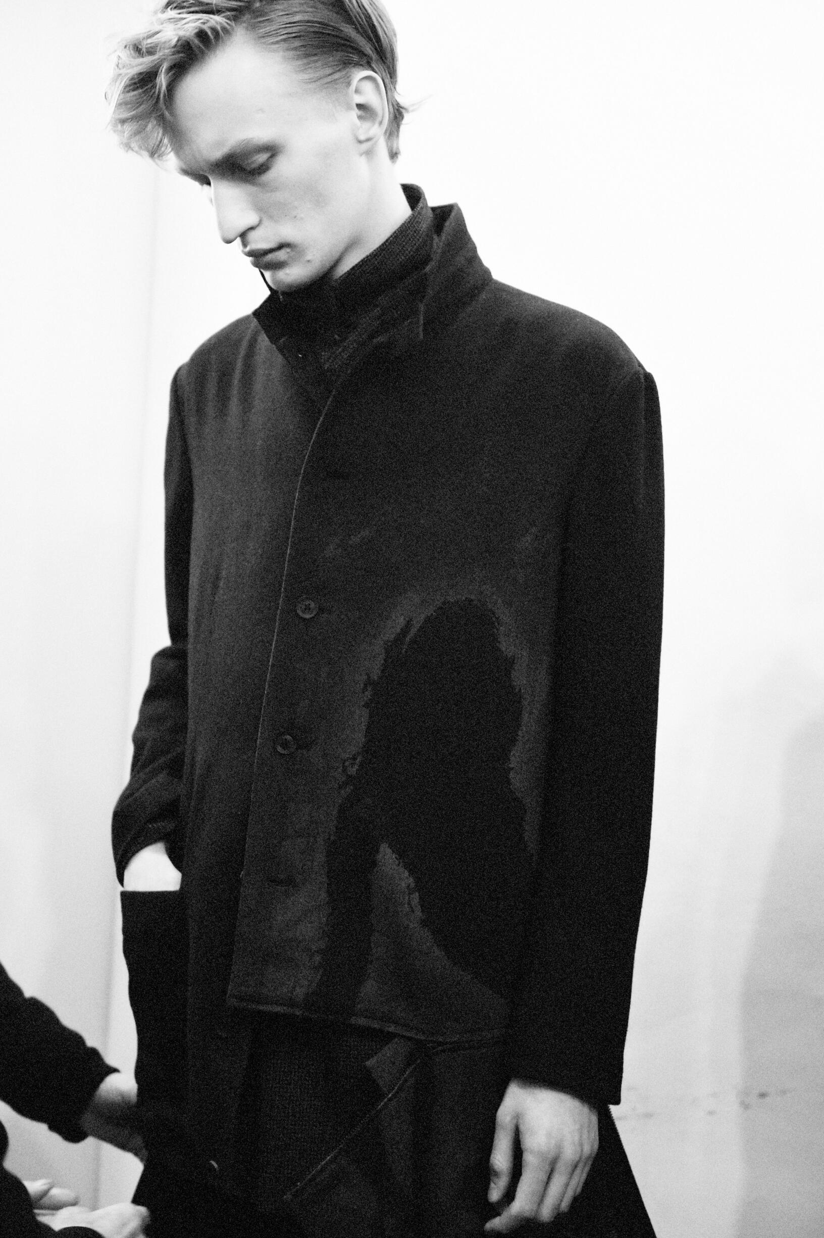 Model Menswear 2019 Backstage Yohji Yamamoto
