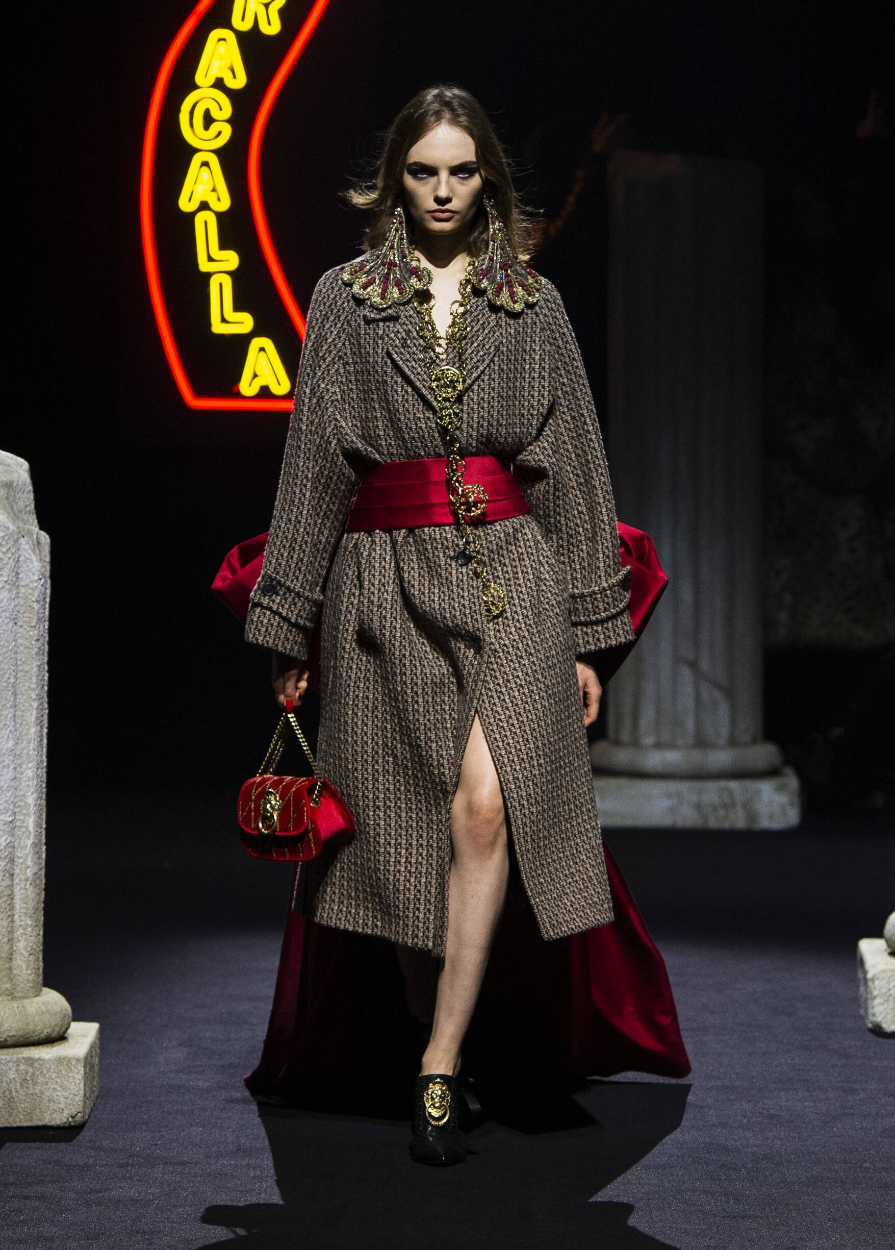 Moschino Fashion Show FW 2019 Pre-Collection