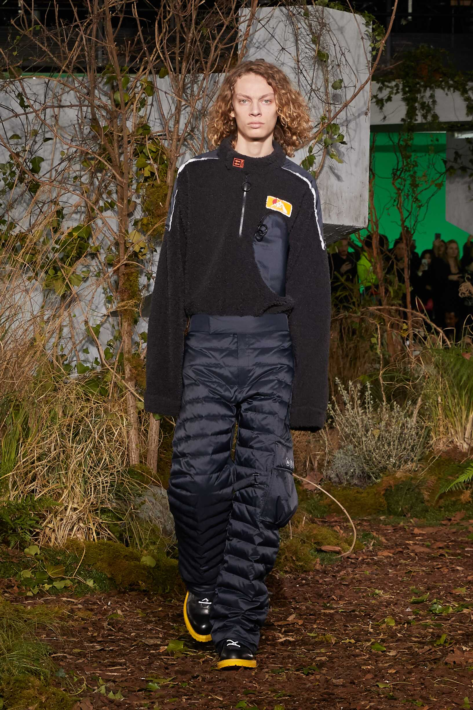 Runway Off White c/o Virgil Abloh Fall Winter 2019 Collection Paris Fashion Week