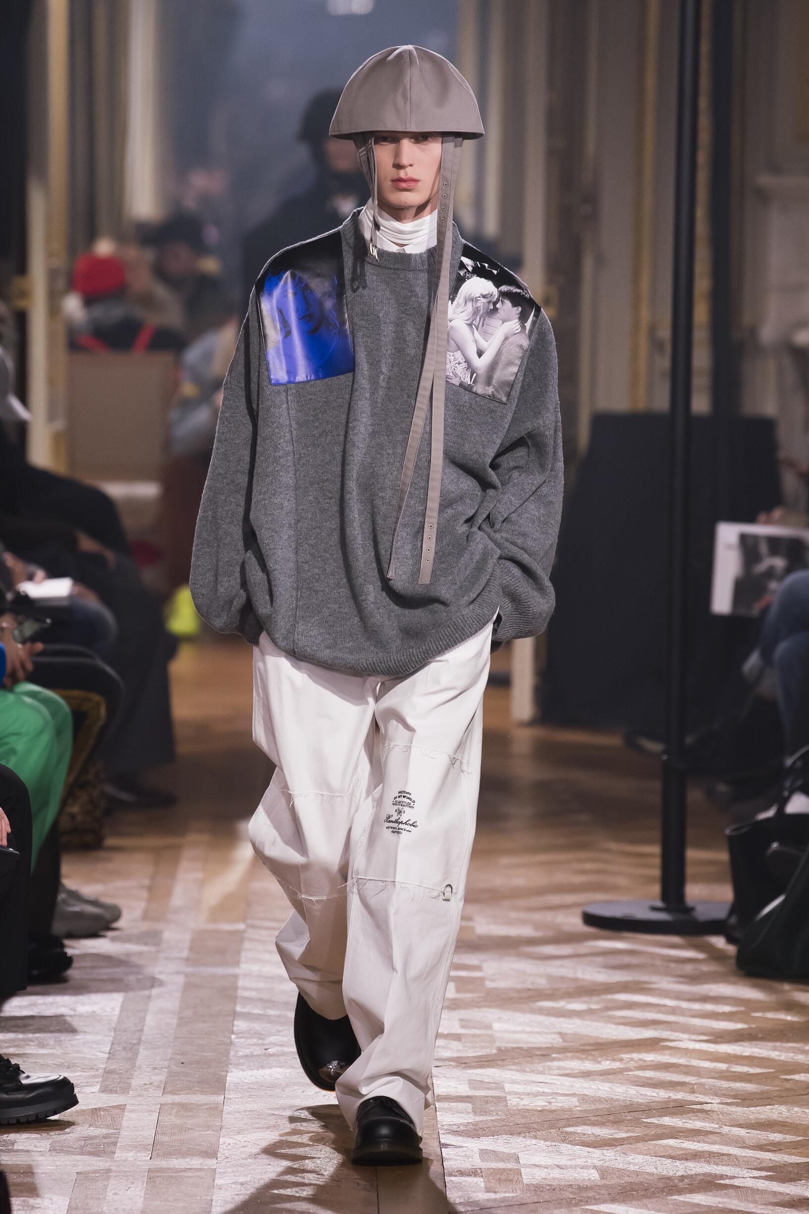 Runway Raf Simons Fall Winter 2019 Collection Paris Fashion Week