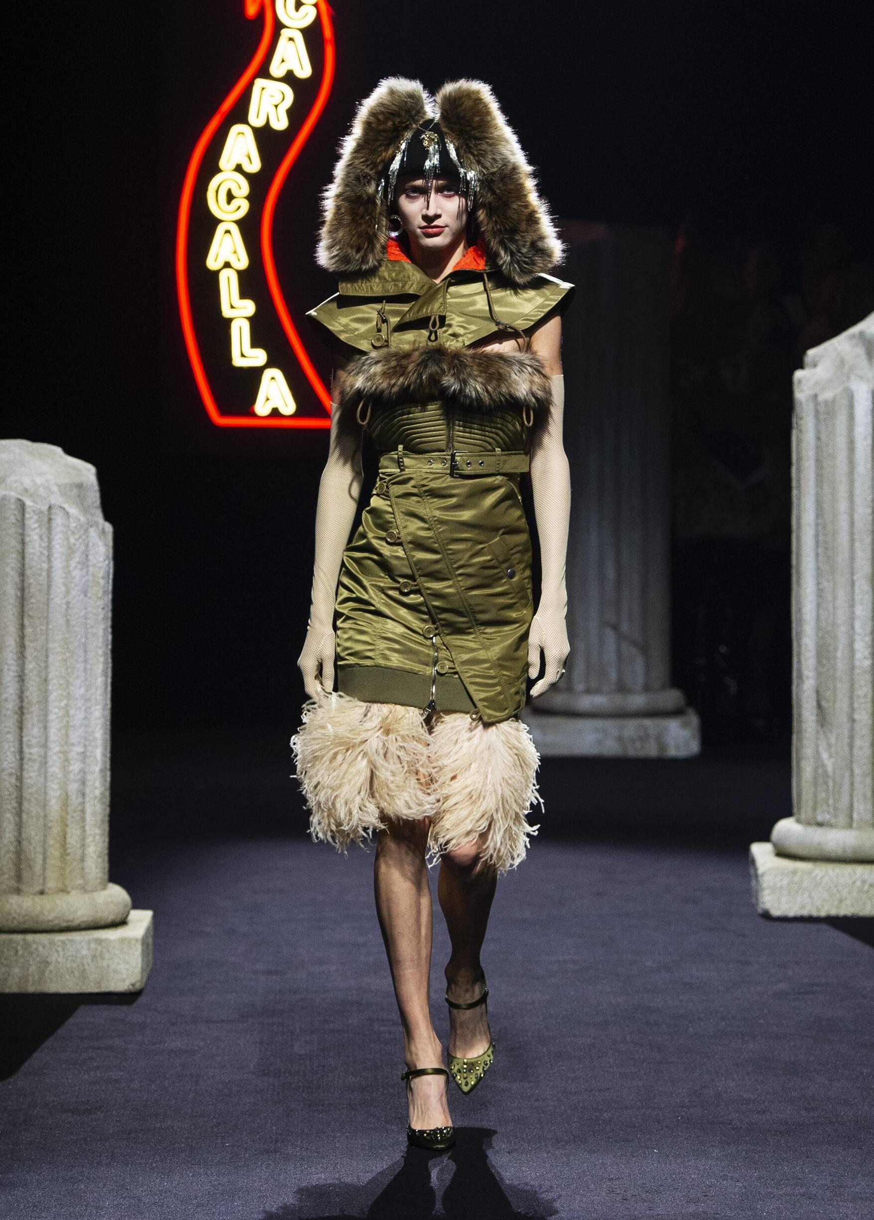 Womenswear Winter Moschino 2019