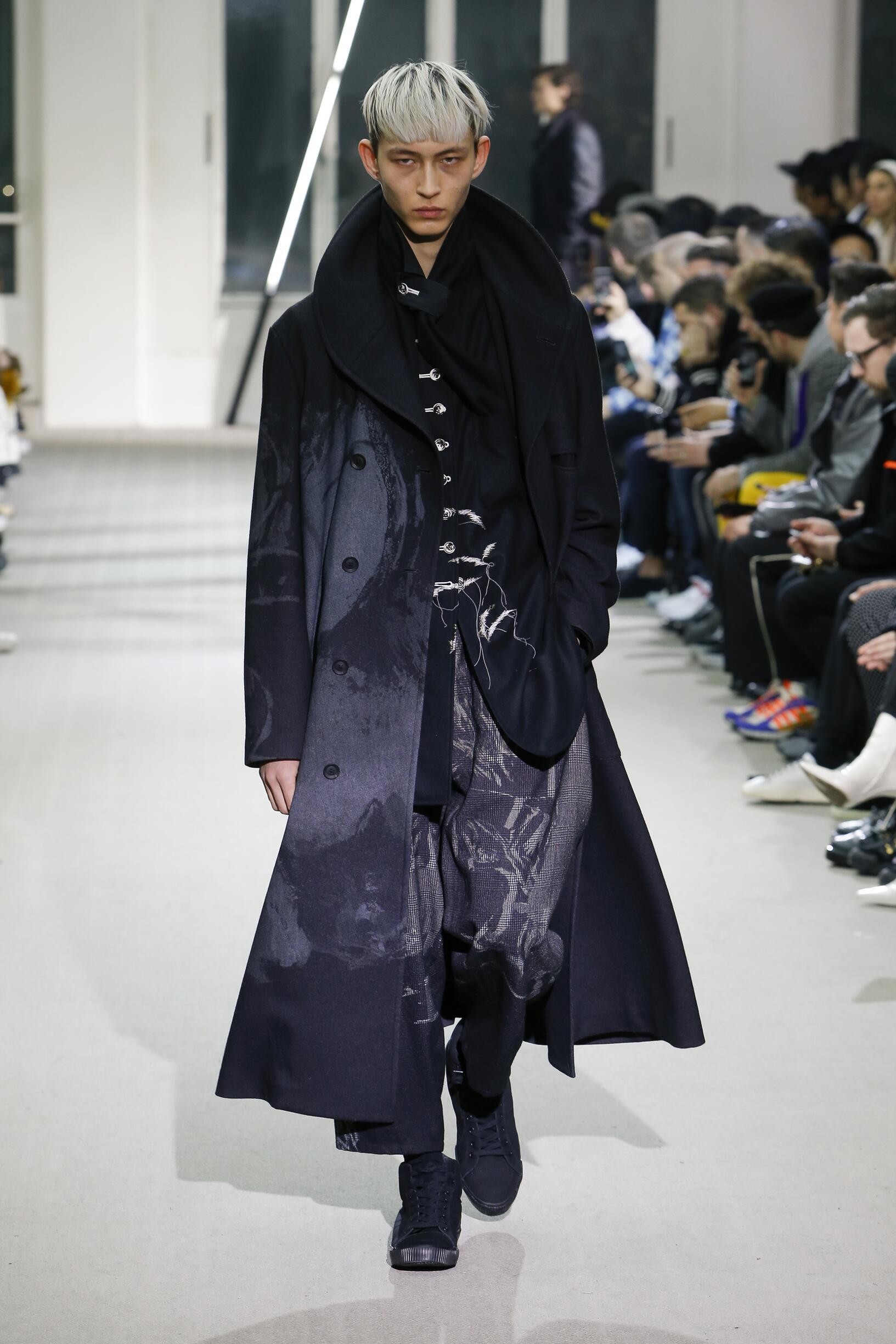Yohji Yamamoto Fashion Show FW 2019