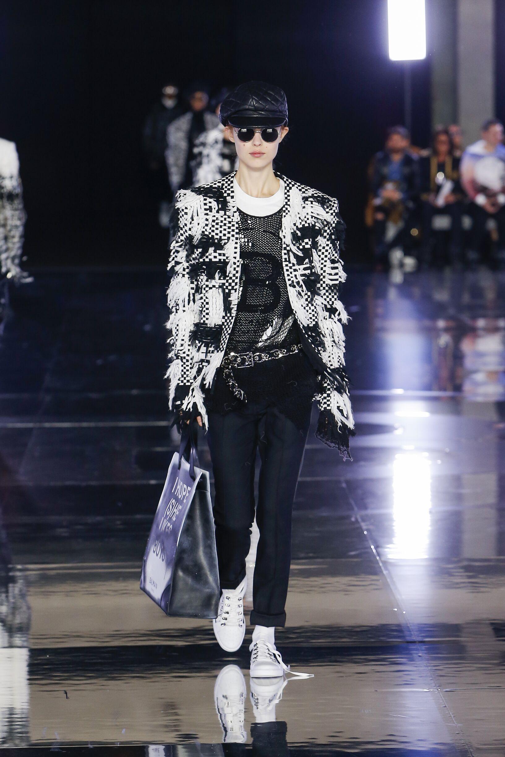 2019 Balmain Womenswear Fall Catwalk