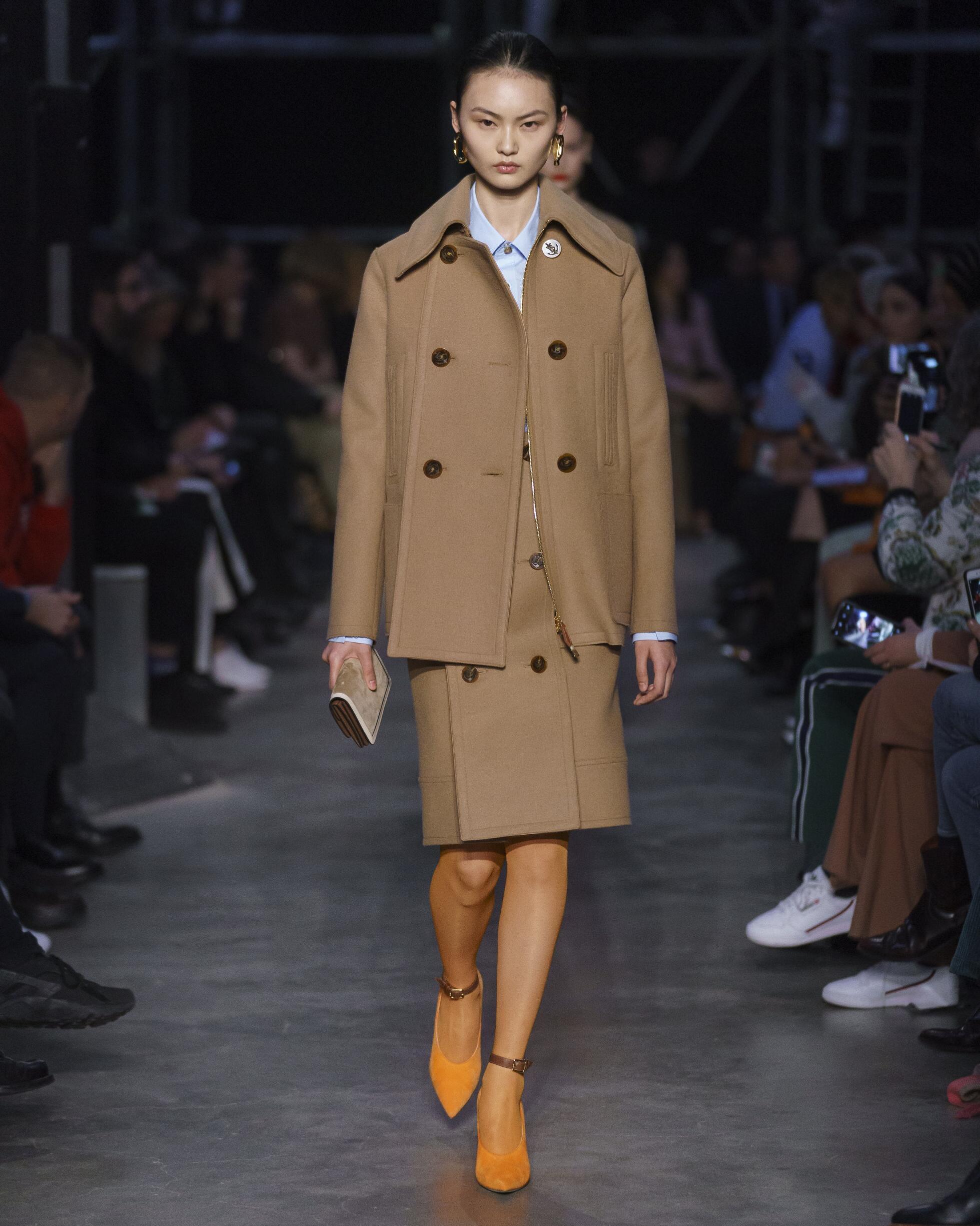 2019 Burberry Catwalk London Fashion Week