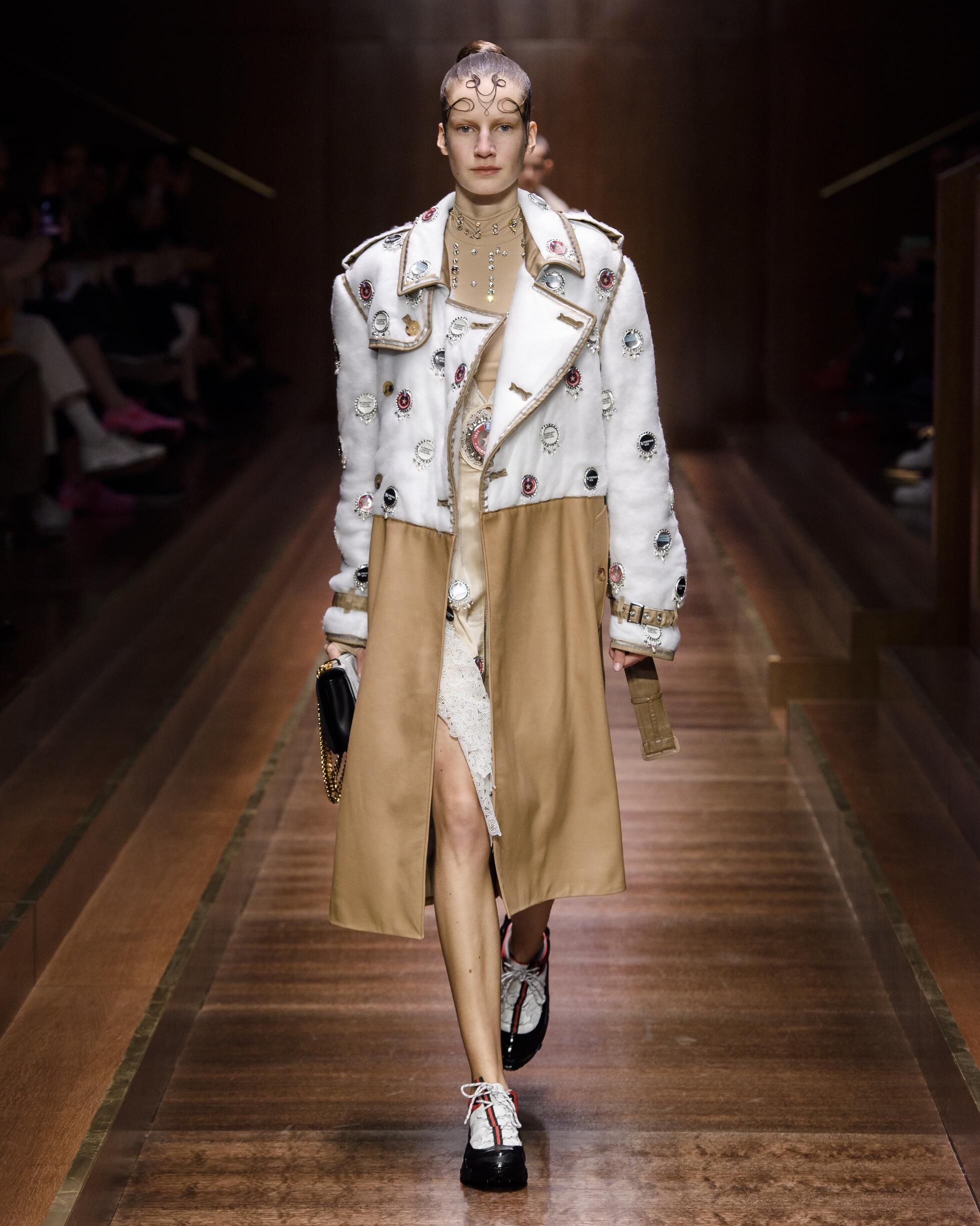 2019 Burberry Fall Winter Woman
