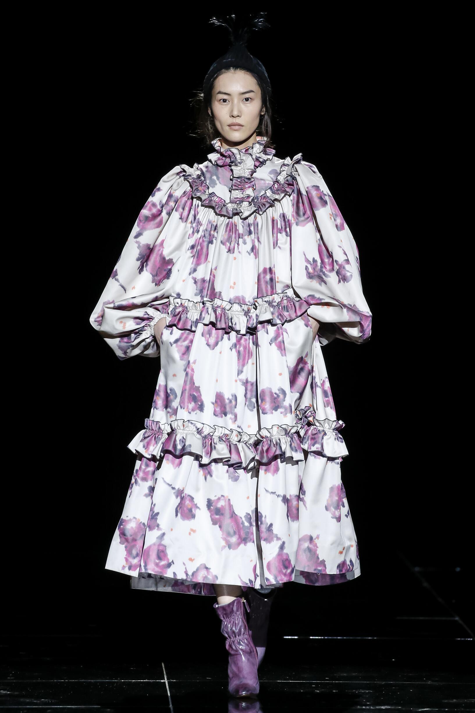 2019 Catwalk Marc Jacobs Woman Fashion Show Winter