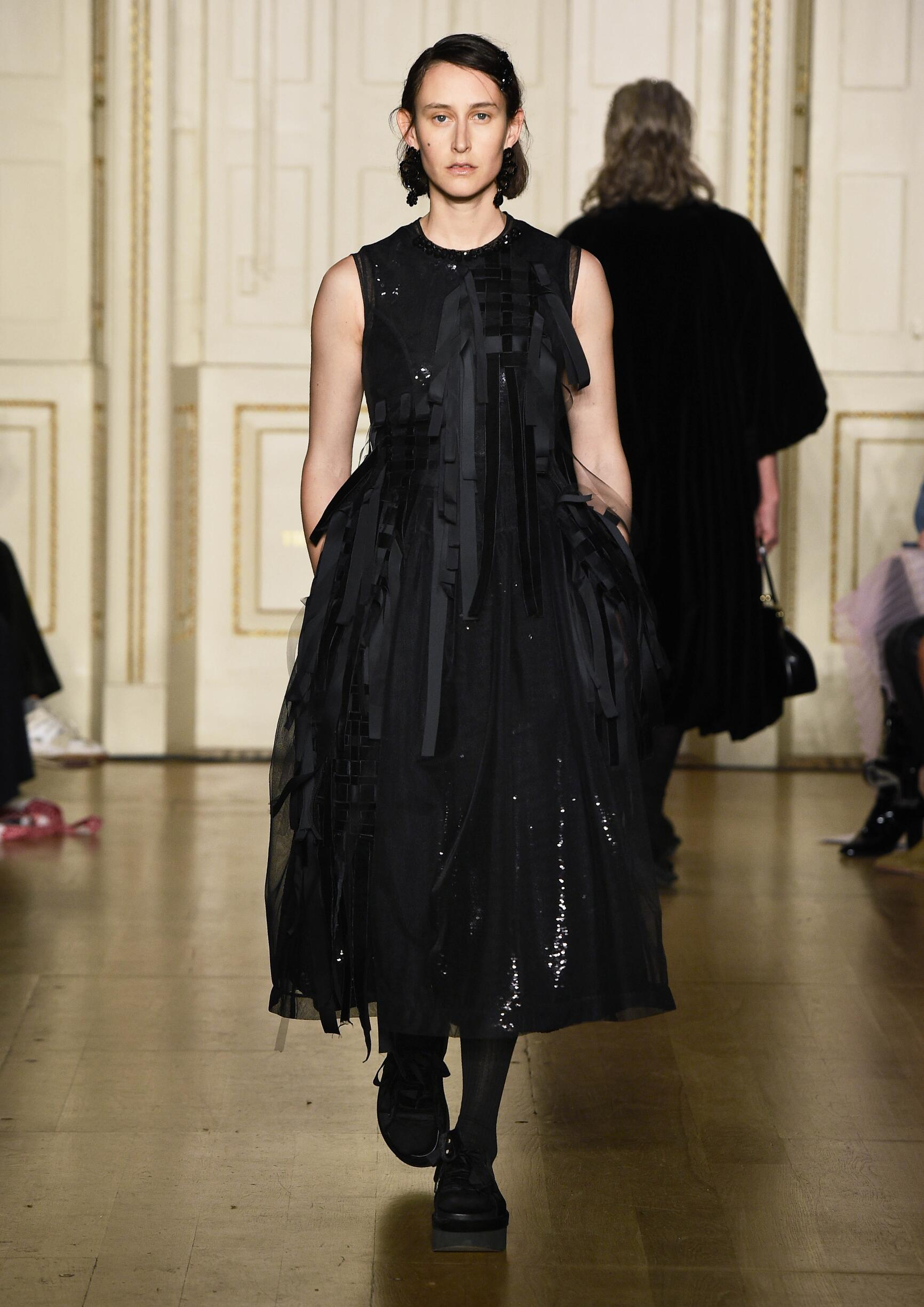 2019 Catwalk Simone Rocha Woman Fashion Show Winter