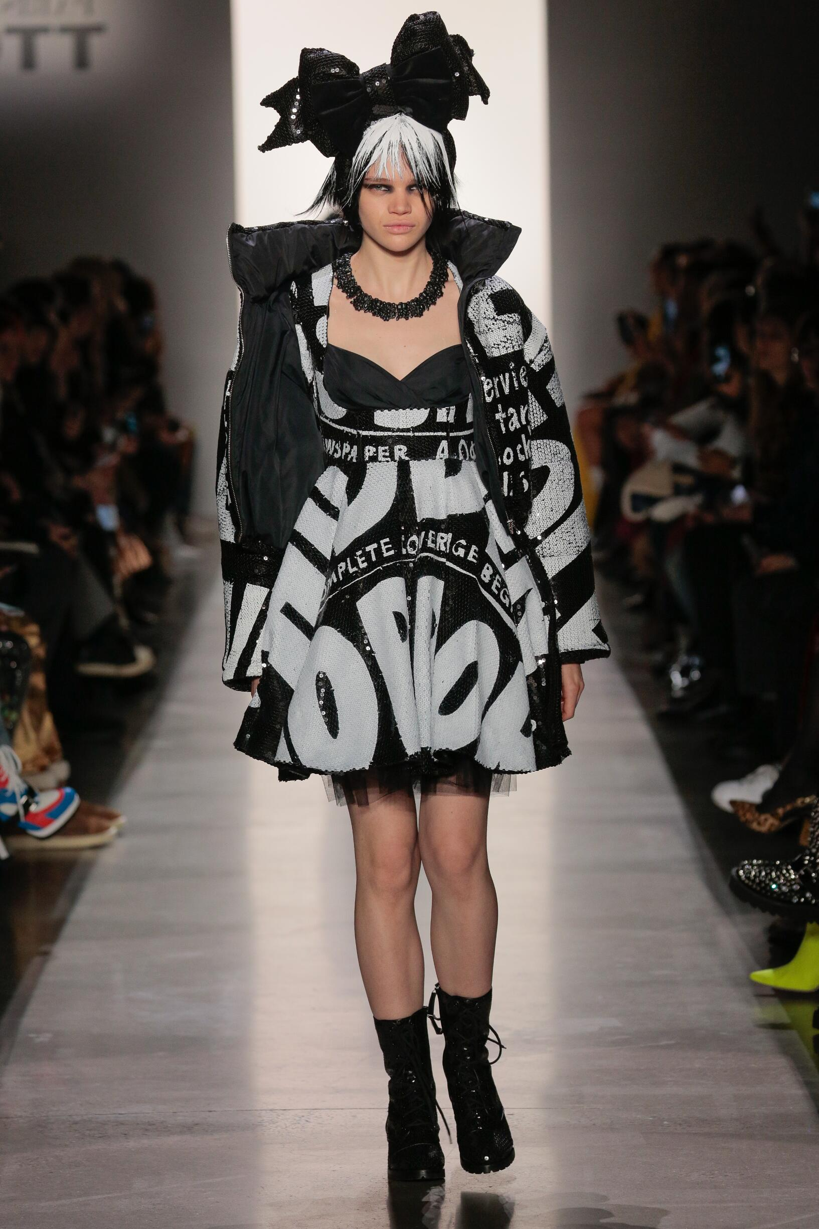2019 Jeremy Scott Fall Catwalk