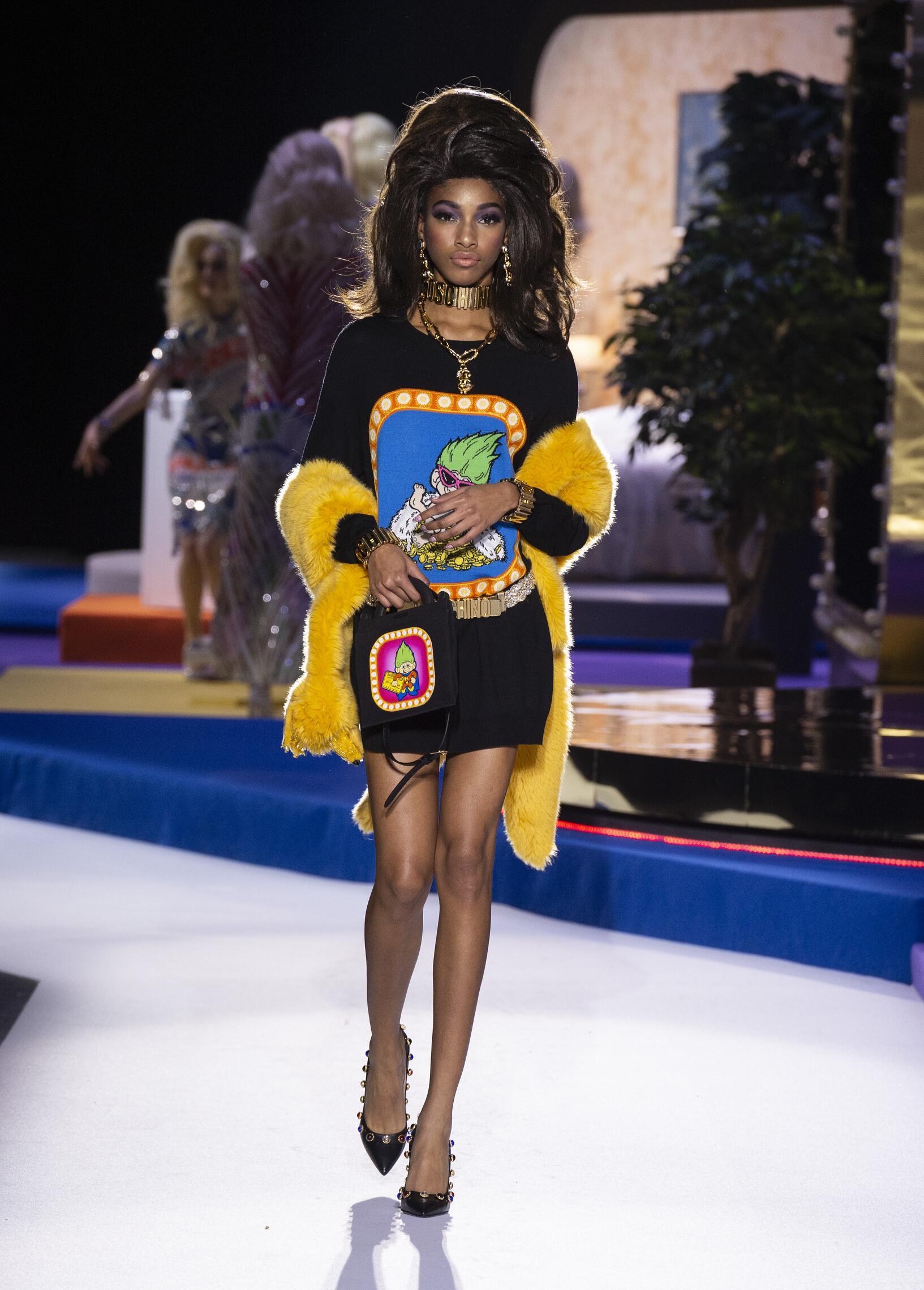 2019 Woman Moschino Trends Milan Fashion Week