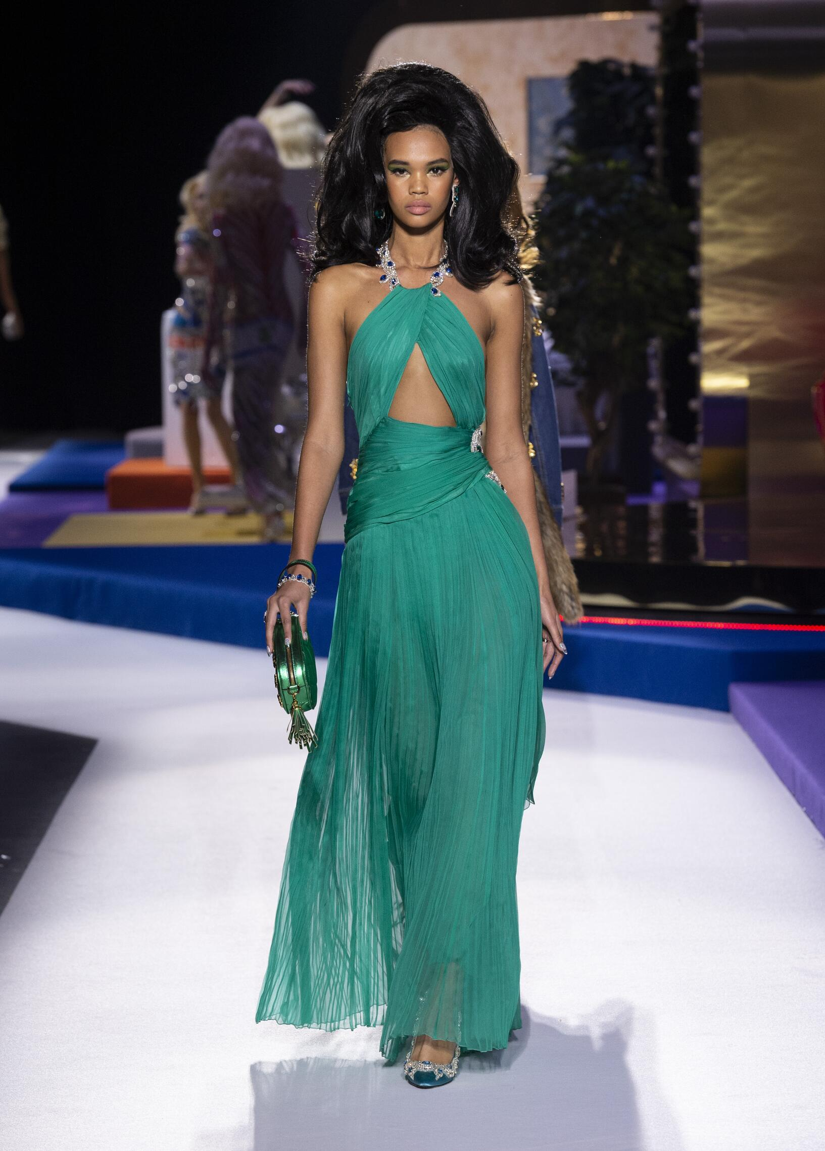 2019 Woman Style Moschino