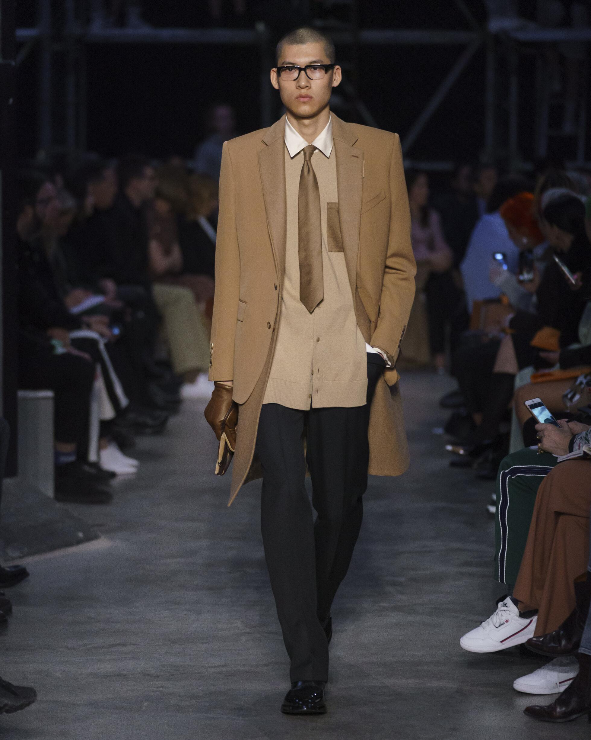 Burberry 2019 London Trends