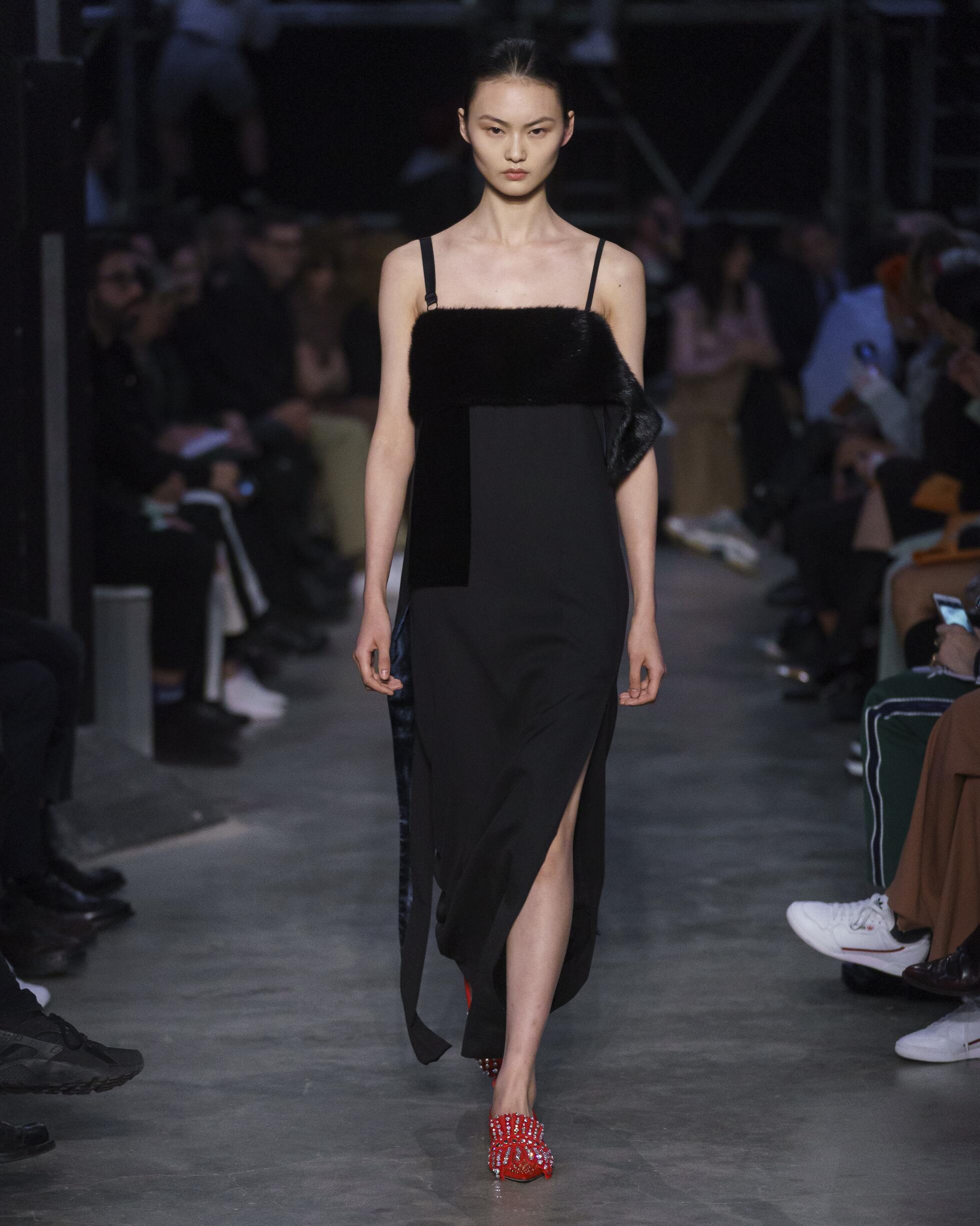 Burberry Woman 2019 20 London Trends