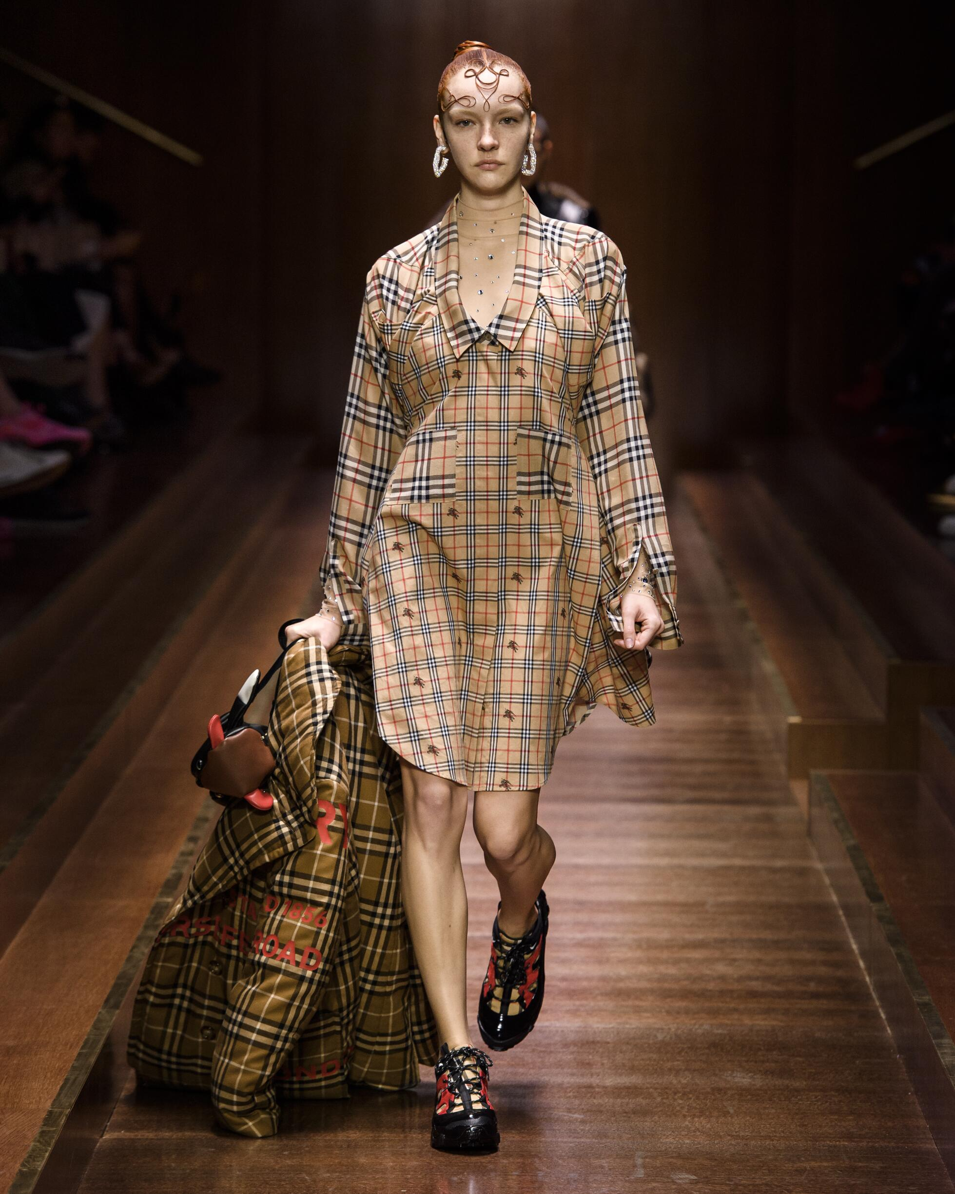 Burberry Woman 2019 20