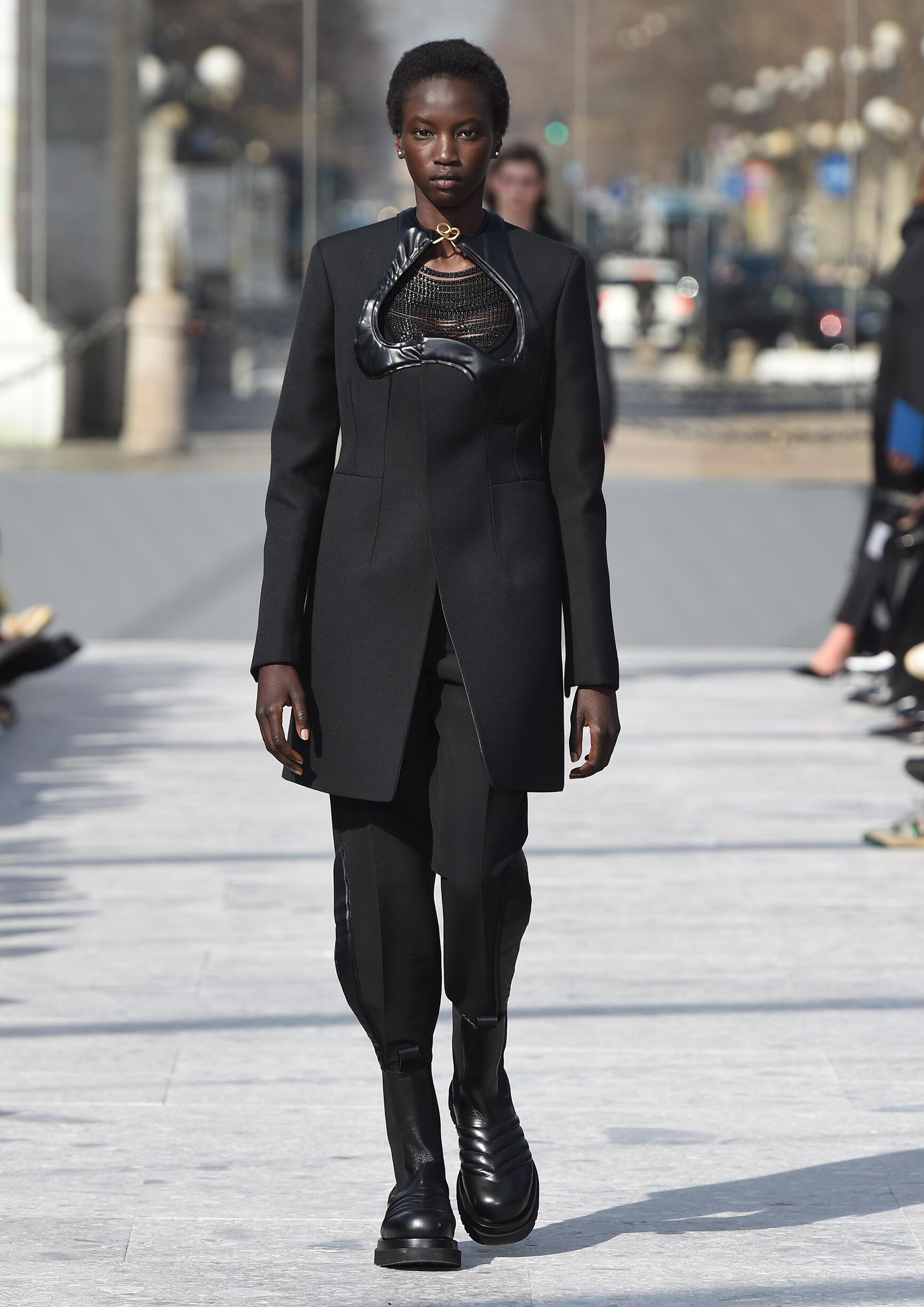 Catwalk Bottega Veneta Woman Fashion Show Winter 2019